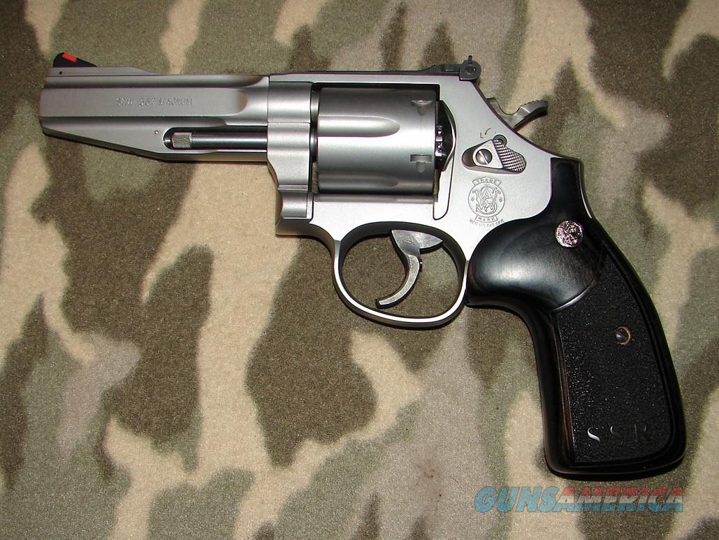 Smith & Wesson 686-6  Guns > Pistols > Smith & Wesson Revolvers > Med. Frame ( K/L )