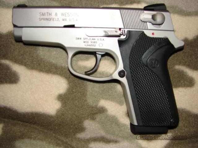 Smith & Wesson 908s  Guns > Pistols > Smith & Wesson Pistols - Autos > Alloy Frame