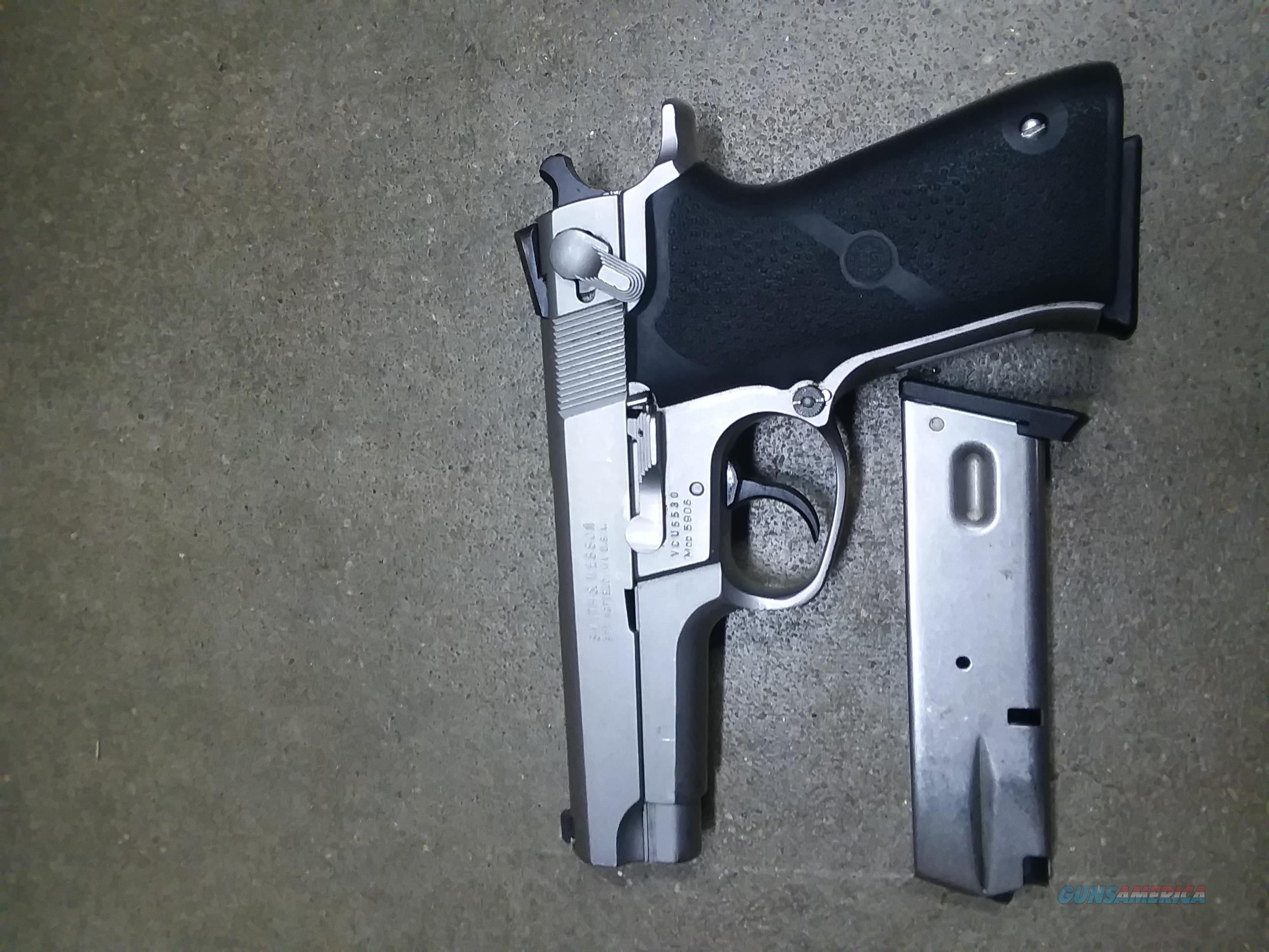 S & W 5906 9 MM  Guns > Pistols > Smith & Wesson Pistols - Autos > Steel Frame