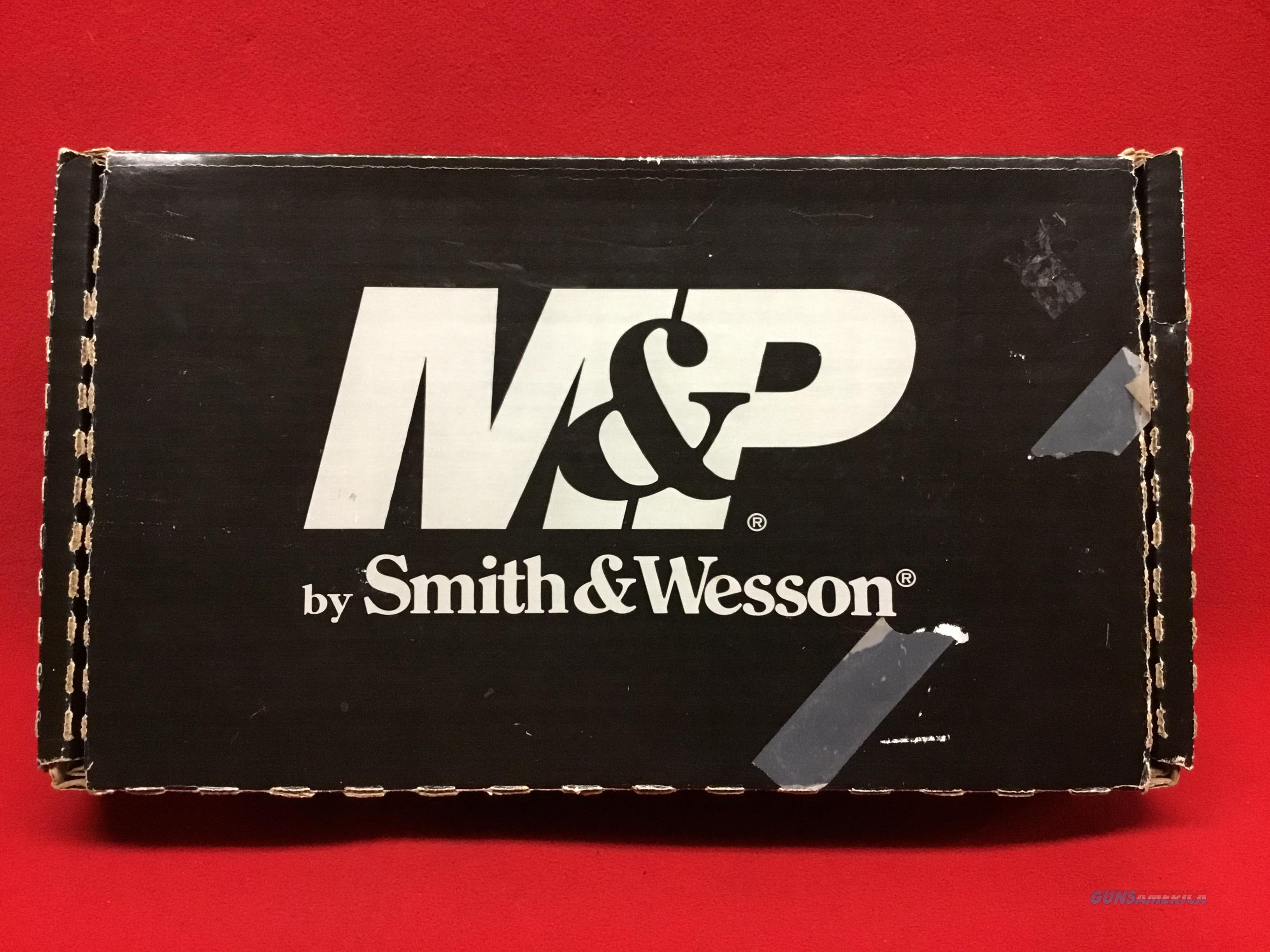 Smith & Wesson  Shield  9mm     LNIB    two mags  Guns > Pistols > Smith & Wesson Pistols - Autos > Shield