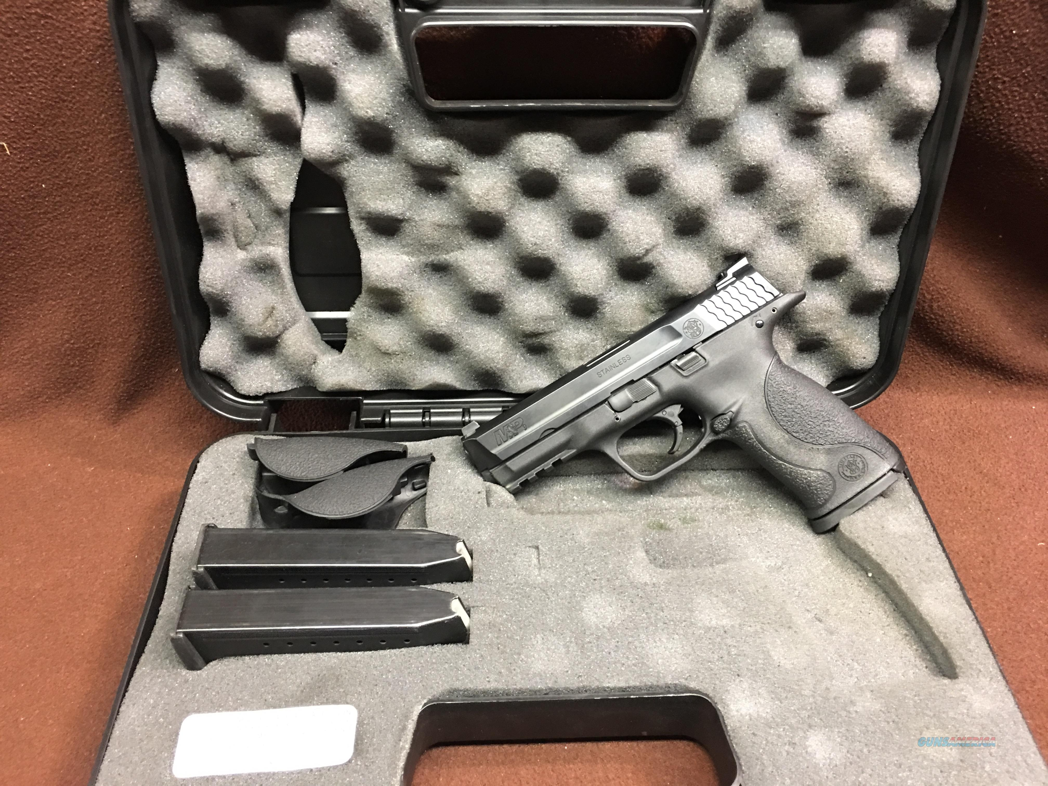 SMITH & WESSON   M&P   9 MM   WITH   TRIJICON  H3   NITE SITES  Guns > Pistols > Smith & Wesson Pistols - Autos > Polymer Frame