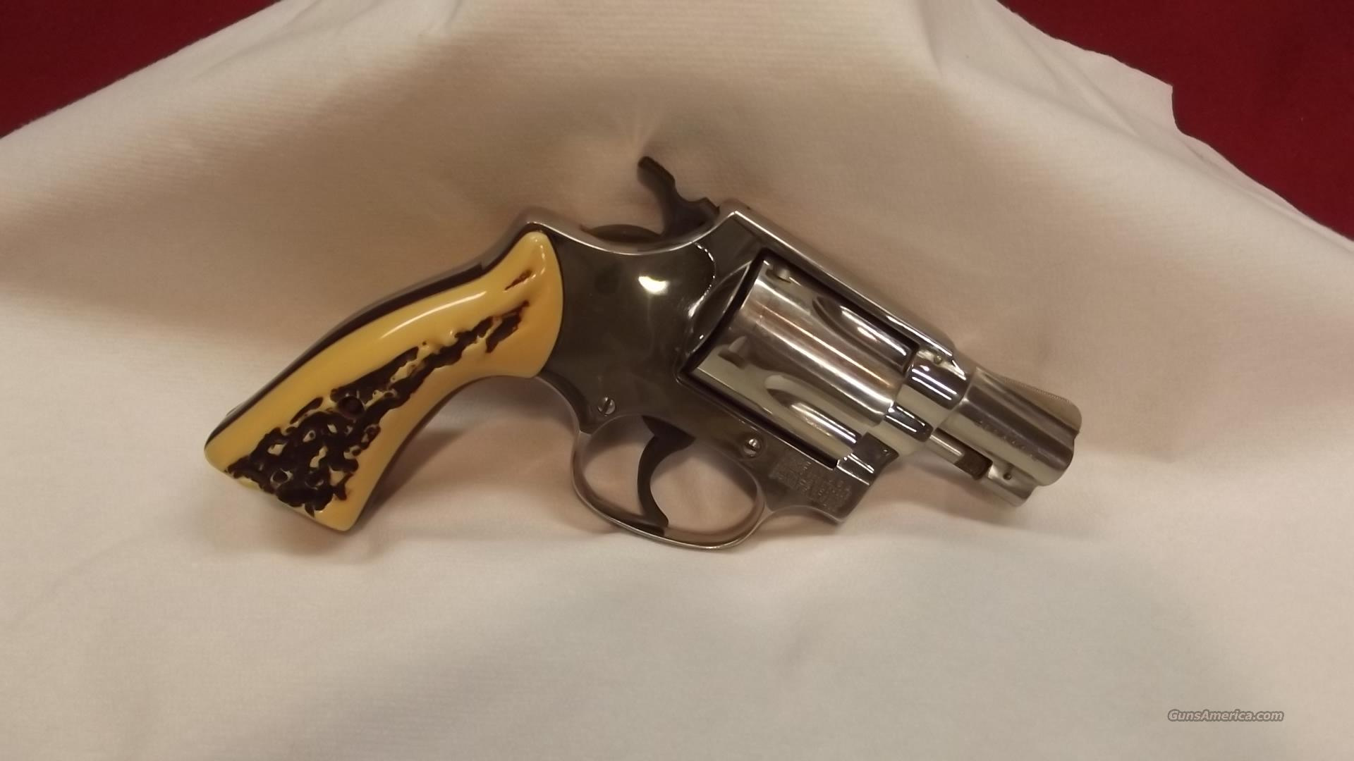Smith and Wesson Model 36   Guns > Pistols > Smith & Wesson Revolvers > Full Frame Revolver