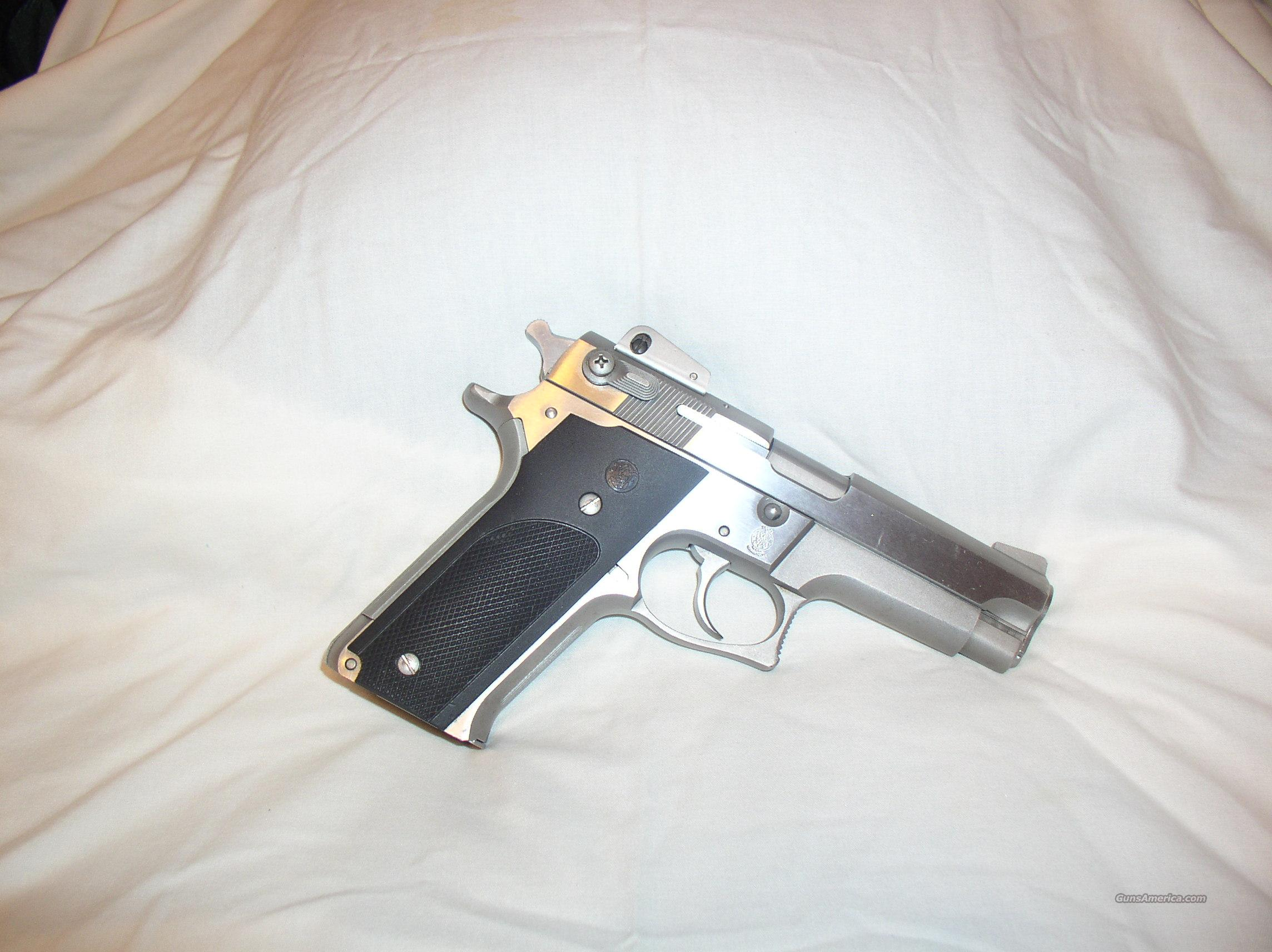 S & W model 659    9mm  Guns > Pistols > Smith & Wesson Pistols - Autos > Steel Frame