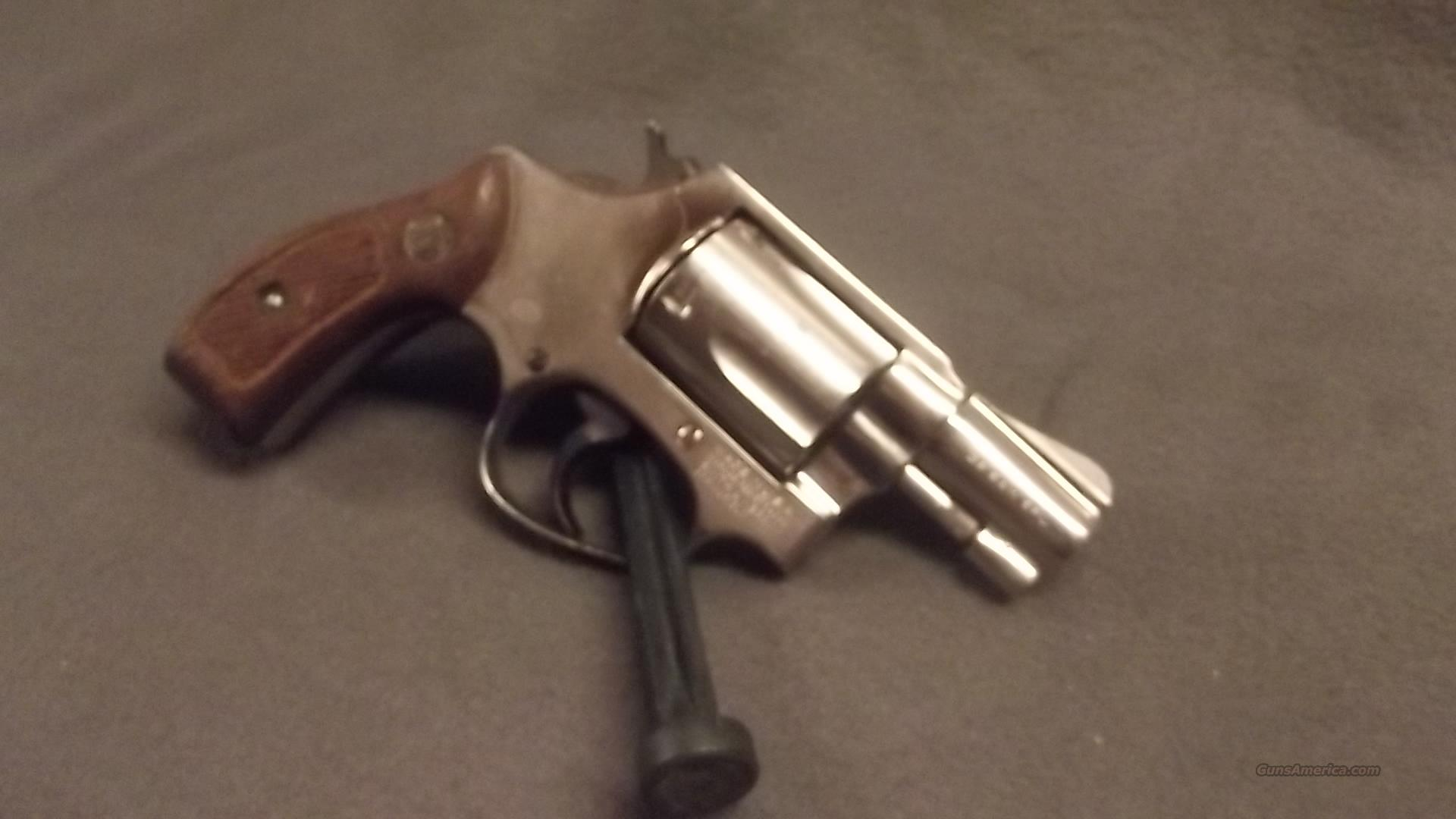 "SMITH  WESSON  36   NO DASH   38 SPECIAL  ""ROUND BUTT""  Guns > Pistols > Smith & Wesson Revolvers > Pocket Pistols"