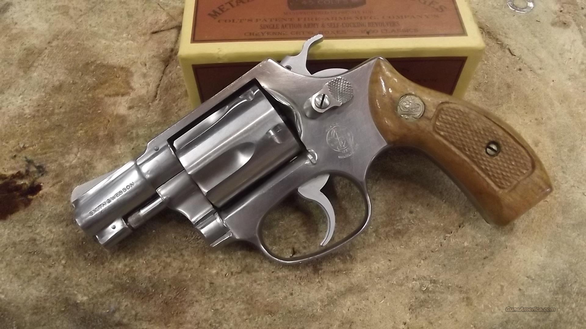 Smith and Wesson model 60.  38 special  Guns > Pistols > Smith & Wesson Revolvers > Pocket Pistols