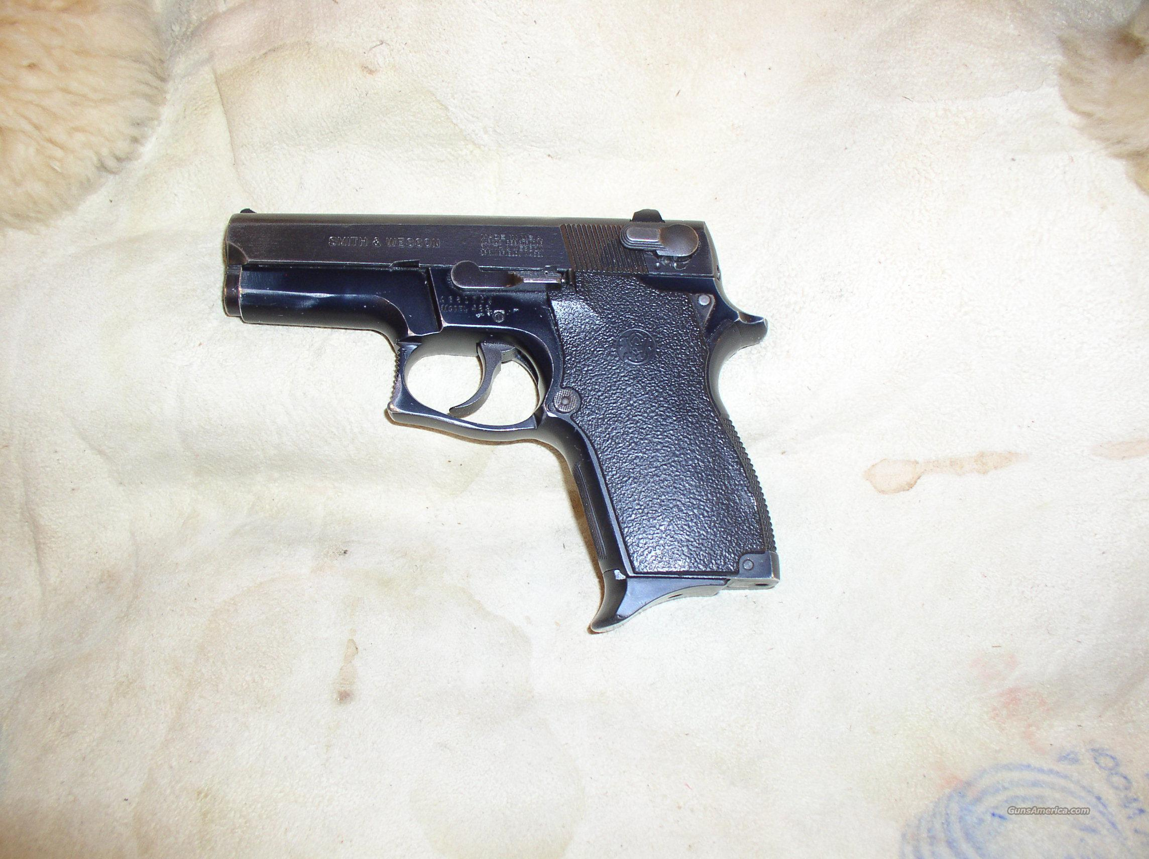 SMITH WESSON  469  Guns > Pistols > Smith & Wesson Pistols - Autos > Alloy Frame