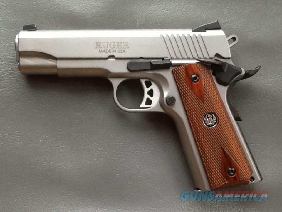 Ruger SR1911 Commander-Style .45 ACP  6702  Guns > Pistols > Ruger Semi-Auto Pistols > 1911