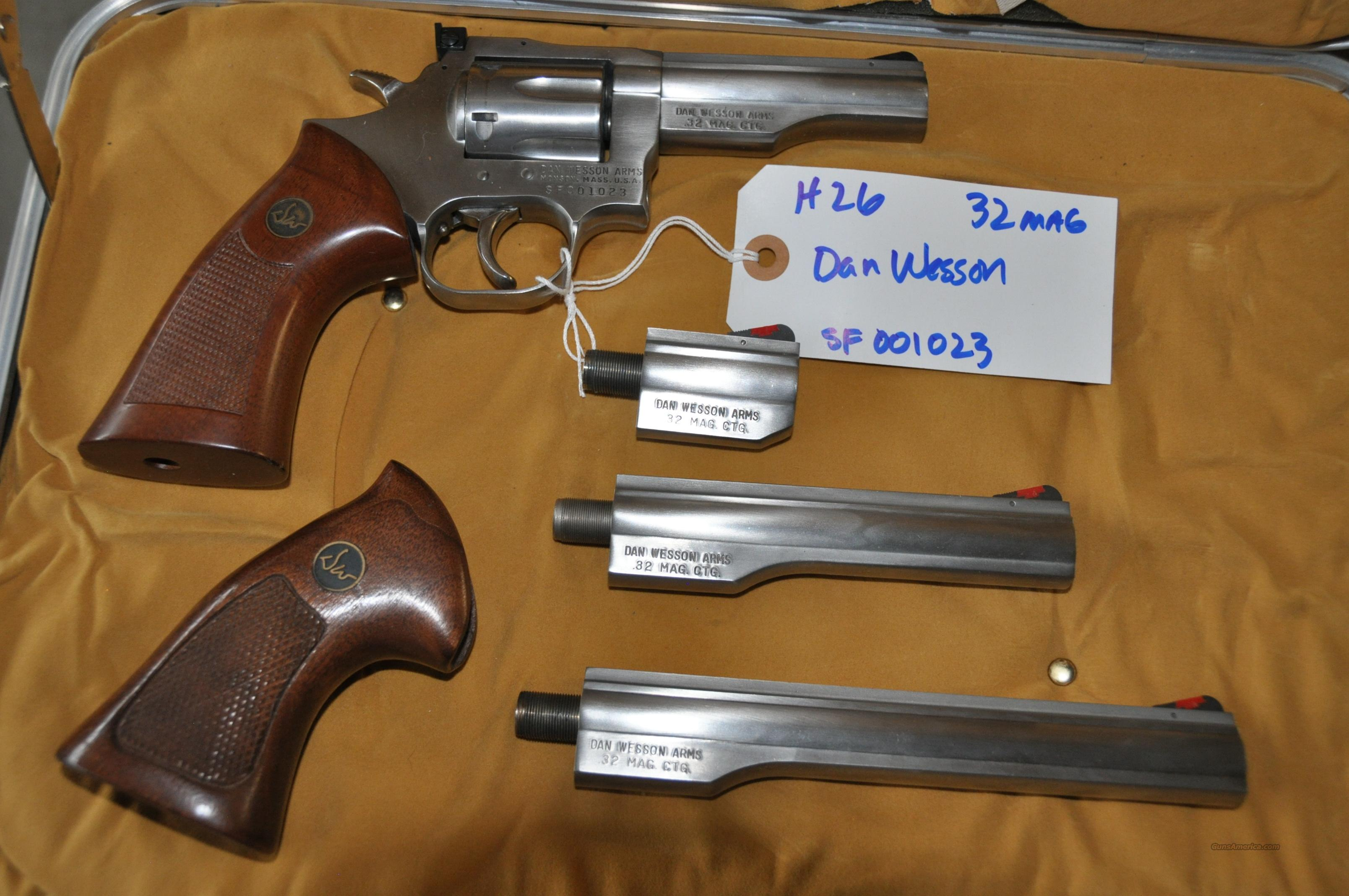 Stainless Dan Wesson Model 732 32 H&R Mag with 4 barrels  estate sale   Guns > Pistols > Dan Wesson Pistols/Revolvers > Revolvers