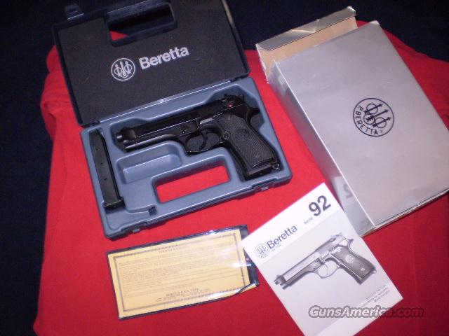 Berretta 92 F 9mm Made in Italy  Guns > Pistols > Beretta Pistols > Model 92 Series