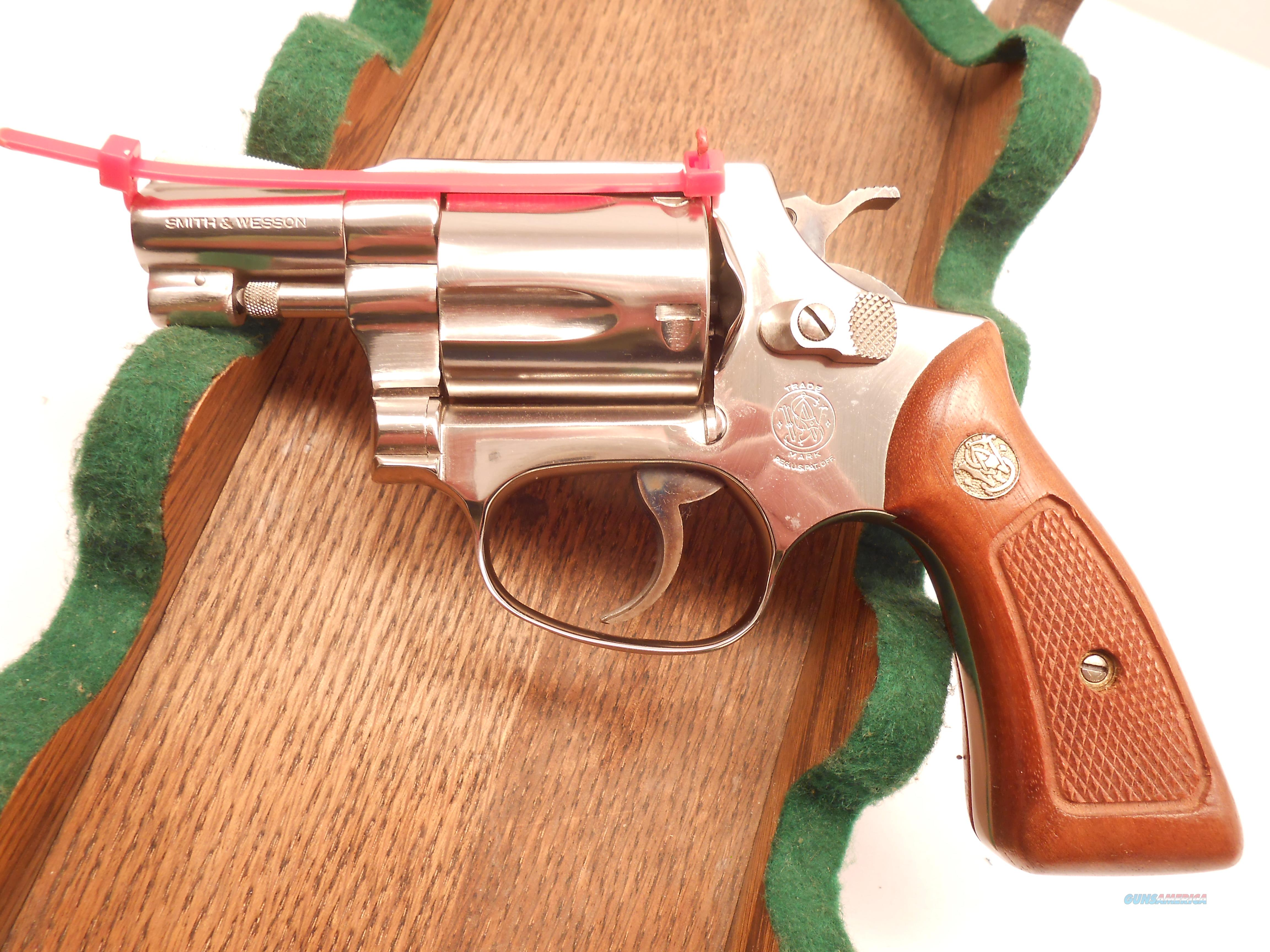 Like New Unfired Smith & Wesson Model 37 Airwieght with Factory Box and Papers  Guns > Pistols > Smith & Wesson Revolvers > Pocket Pistols