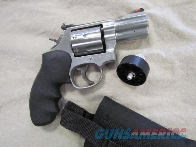 !! * BEAUTIFUL  * !!  Scarce-No Lock! SMITH &WESSON MODEL 686 PLUS! 7 SHOT! .357 MAG STAINLESS STEEL, 2.5 inch SNUB NOSE!! REDUCED & O.B.O.!!  Guns > Pistols > Smith & Wesson Revolvers > Full Frame Revolver