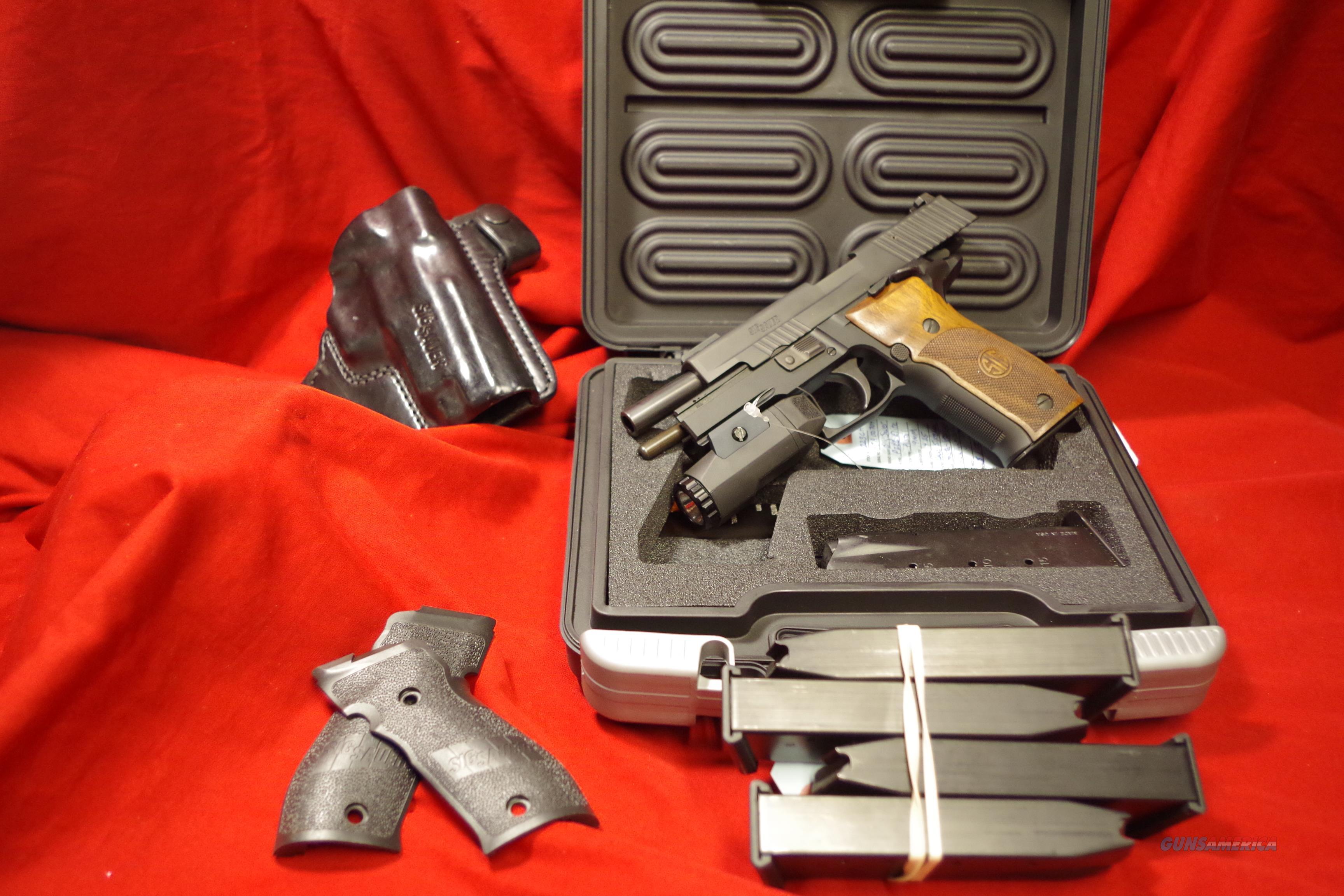 -REDUCED- SIG SAUER P226 Elite 9mm pistol w/extra gear  Guns > Pistols > Sig - Sauer/Sigarms Pistols > P226