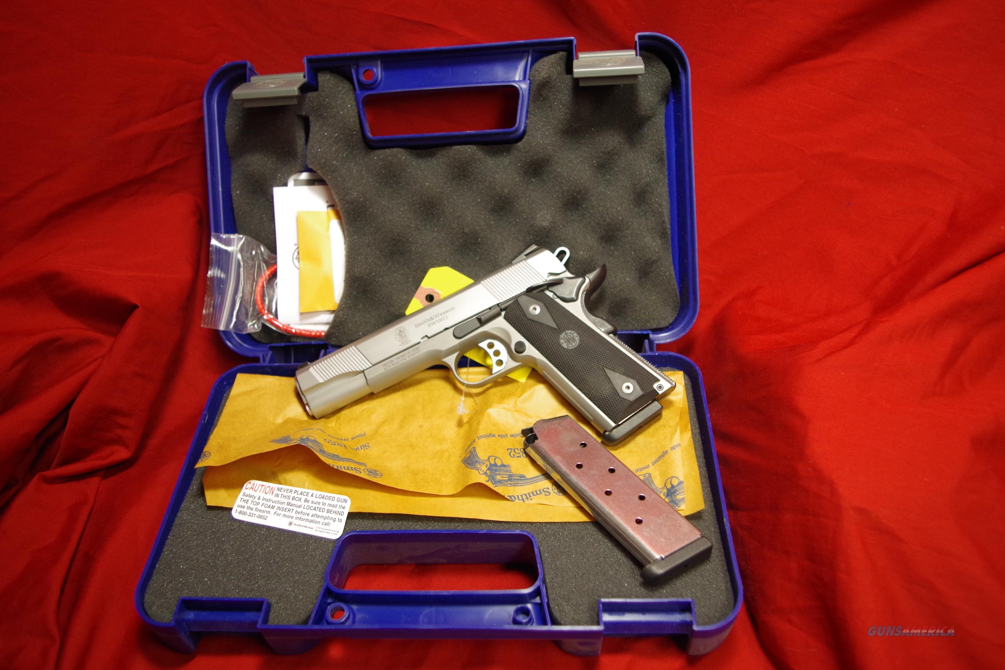 Smith & Wesson SW1911 45ACP  Guns > Pistols > Smith & Wesson Pistols - Autos > Steel Frame