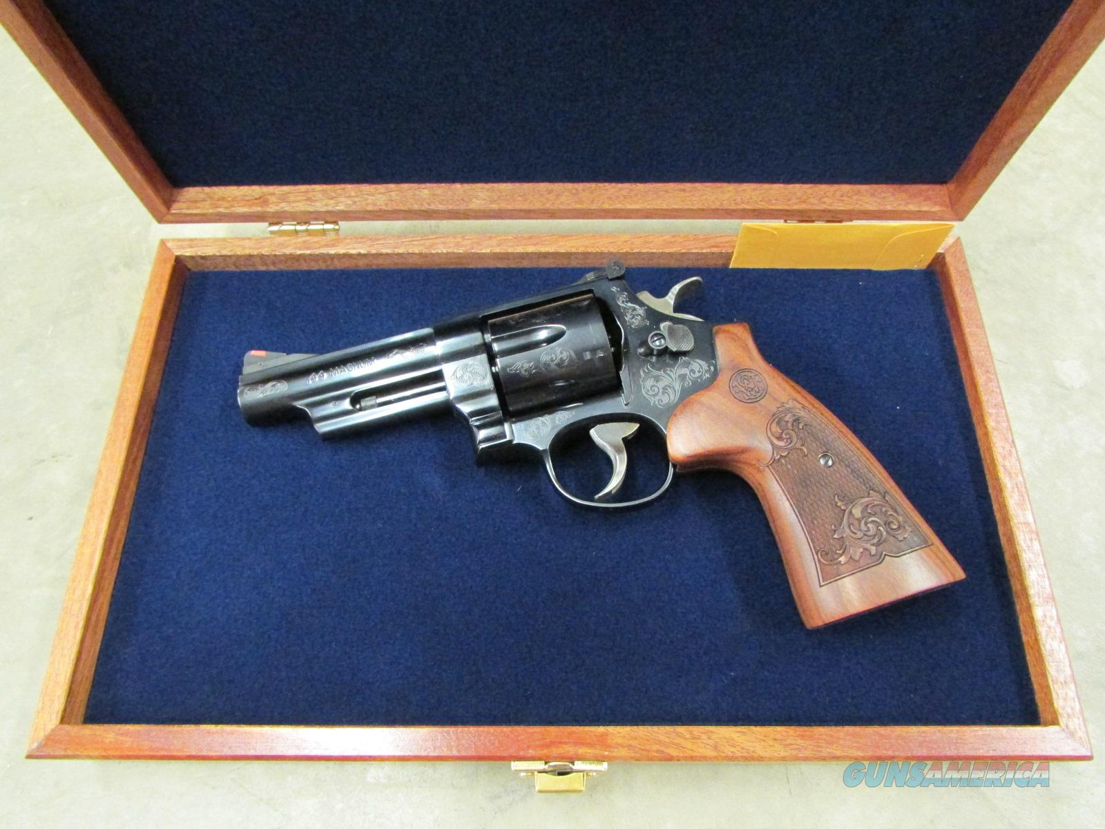 Smith & Wesson Model 29 Engraved .44 Magnum Mahogany Display 150783  Guns > Pistols > Smith & Wesson Revolvers > Full Frame Revolver