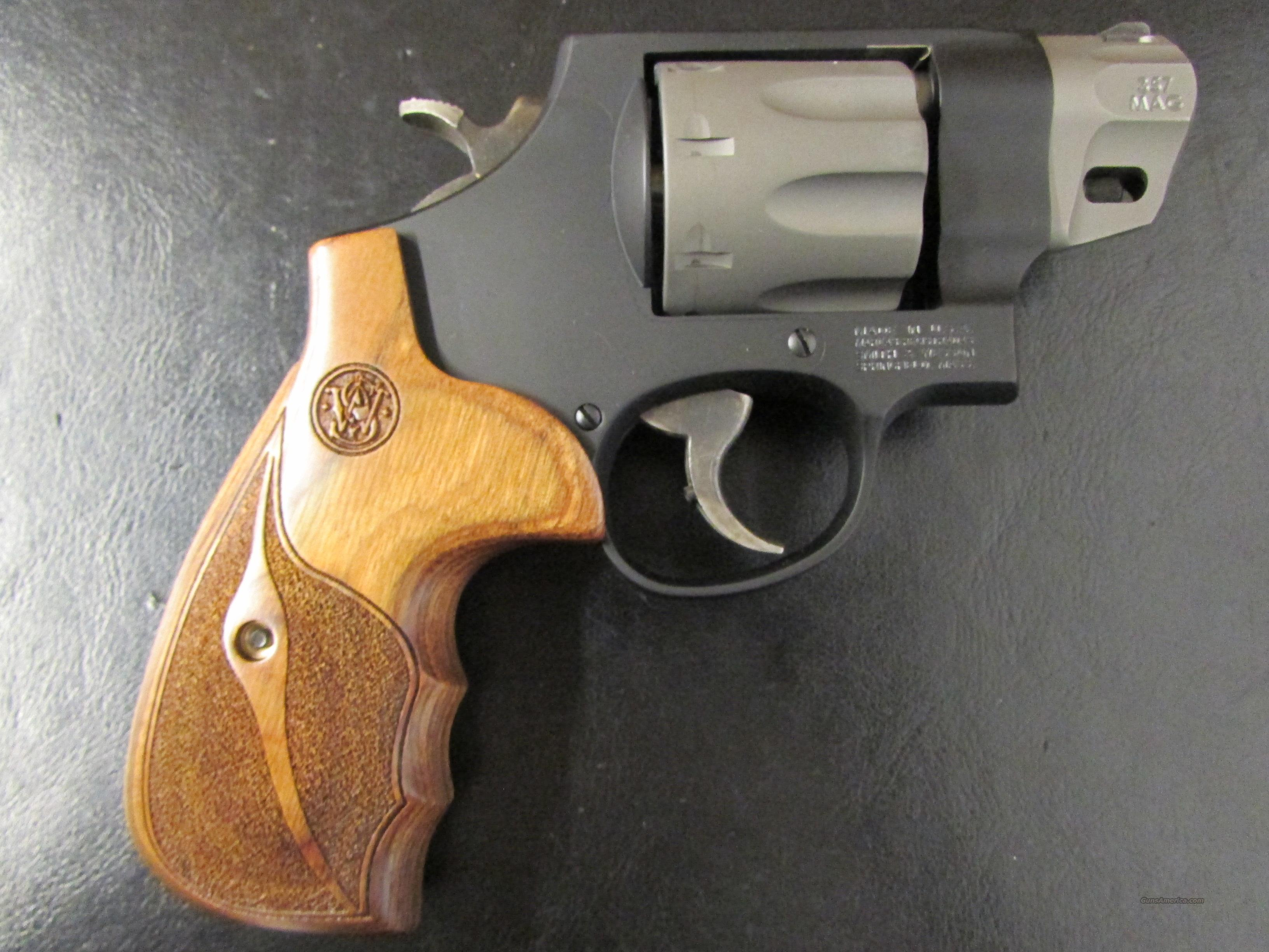 "Smith & Wesson Model 327 8-Shot .357 Mag 2""  Guns > Pistols > Smith & Wesson Revolvers > Performance Center"