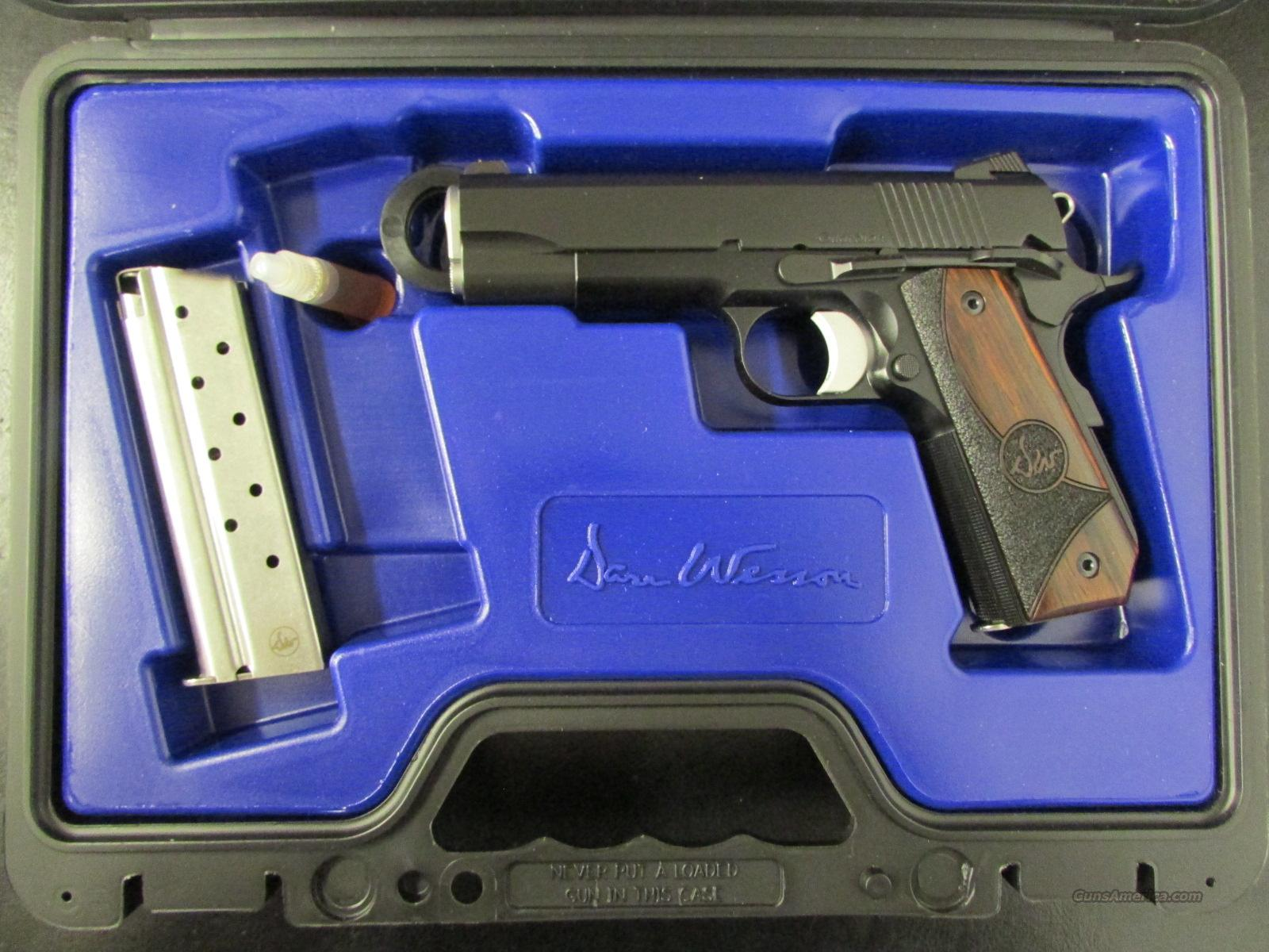 Dan Wesson Guardian Commander-Size 1911 Black .38 Super  Guns > Pistols > Dan Wesson Pistols/Revolvers > 1911 Style
