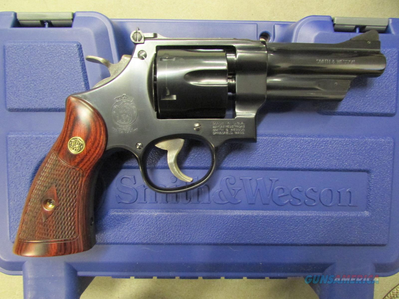 Smith & Wesson Model 27 Classic 4\