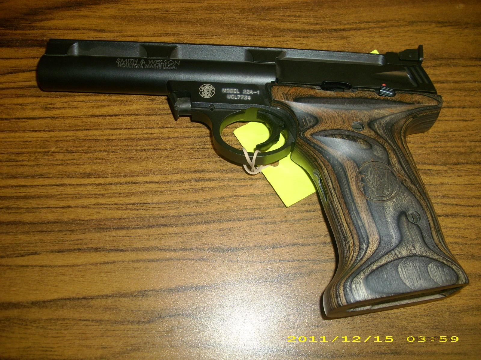 Smith and Wesson 22 A w/ Wood Grips   Guns > Pistols > Smith & Wesson Pistols - Autos > .22 Autos