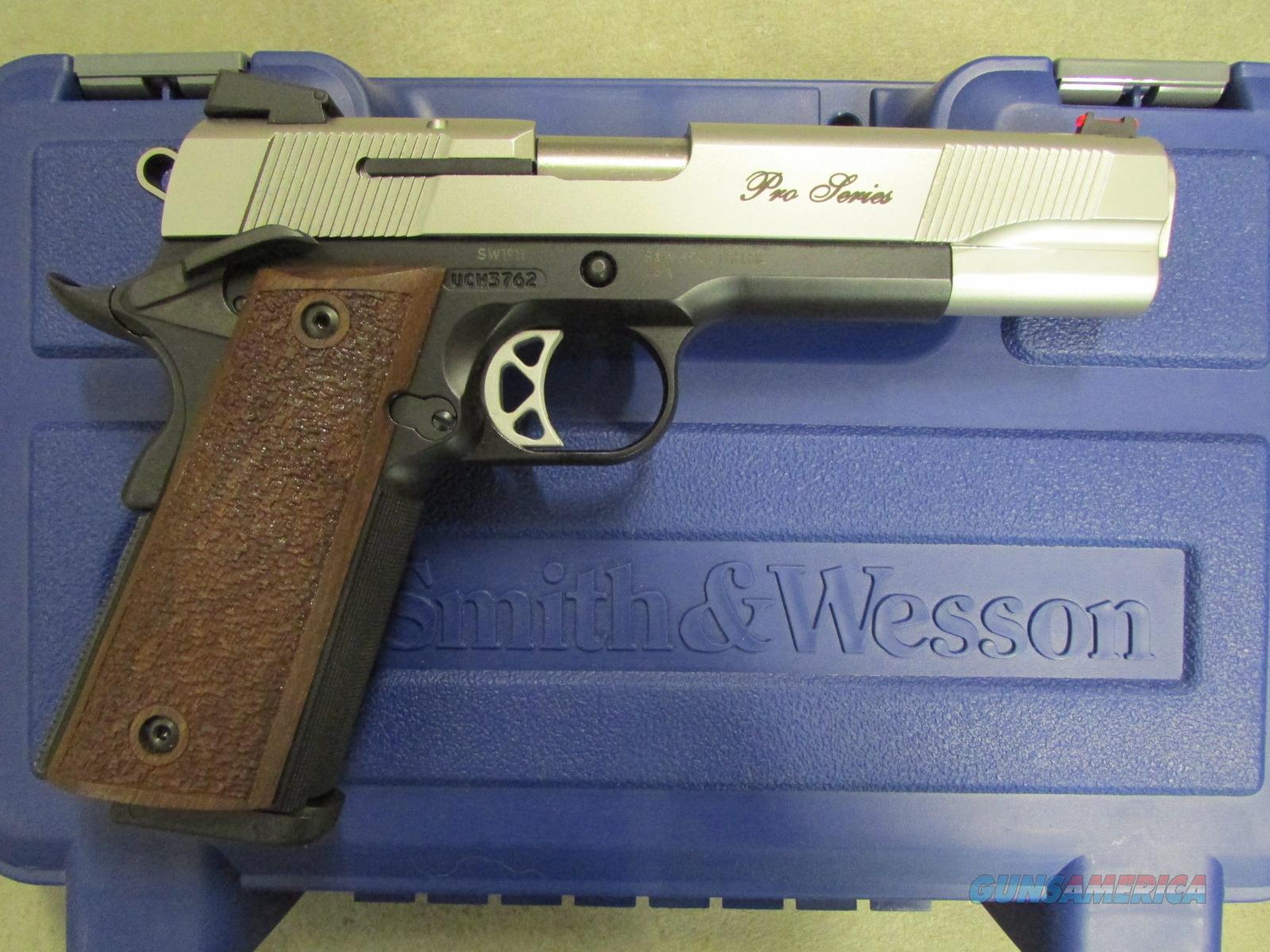 Smith & Wesson Model SW1911 Pro Series .45ACP  Guns > Pistols > Smith & Wesson Pistols - Autos > Steel Frame
