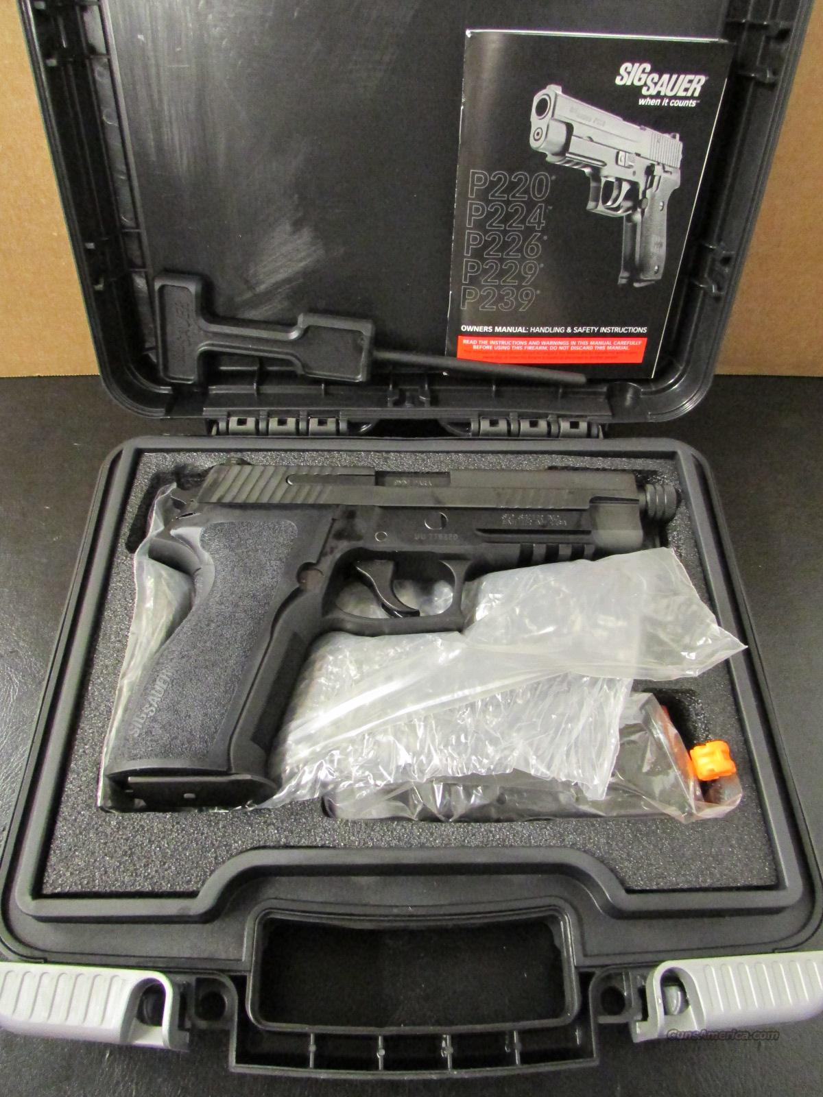 Sig Sauer P226 Special Configuration SigLite Threaded 9mm Luger W226-9-SP  Guns > Pistols > Sig - Sauer/Sigarms Pistols > P226