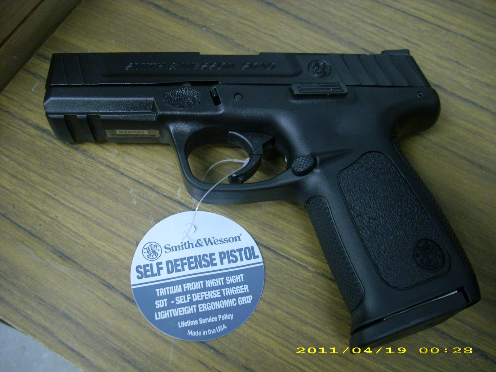 Smith and Wesson Model SD40 .40 S&W  Guns > Pistols > Smith & Wesson Pistols - Autos > Steel Frame
