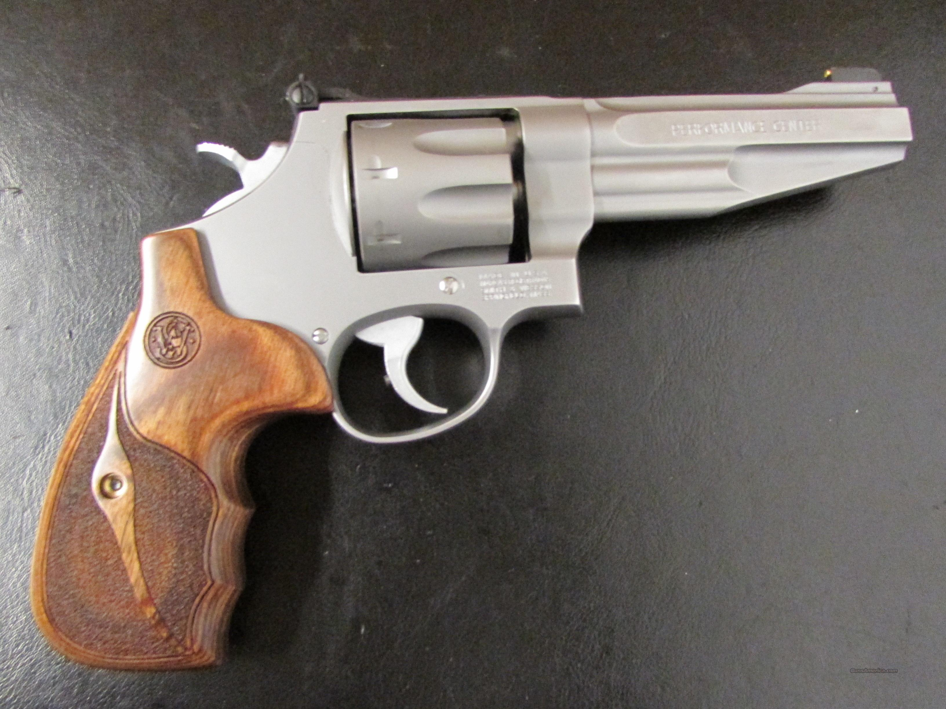 Smith & Wesson Performance Center Model 627 8-Shot .357 Magnum  Guns > Pistols > Smith & Wesson Revolvers > Performance Center