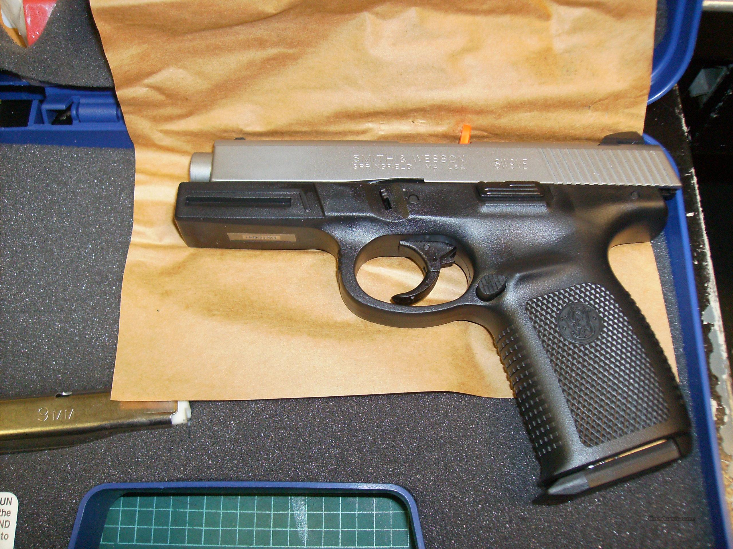 Smith and Wesson SW9VE Sigma 9MM  Guns > Pistols > Smith & Wesson Pistols - Autos > Polymer Frame