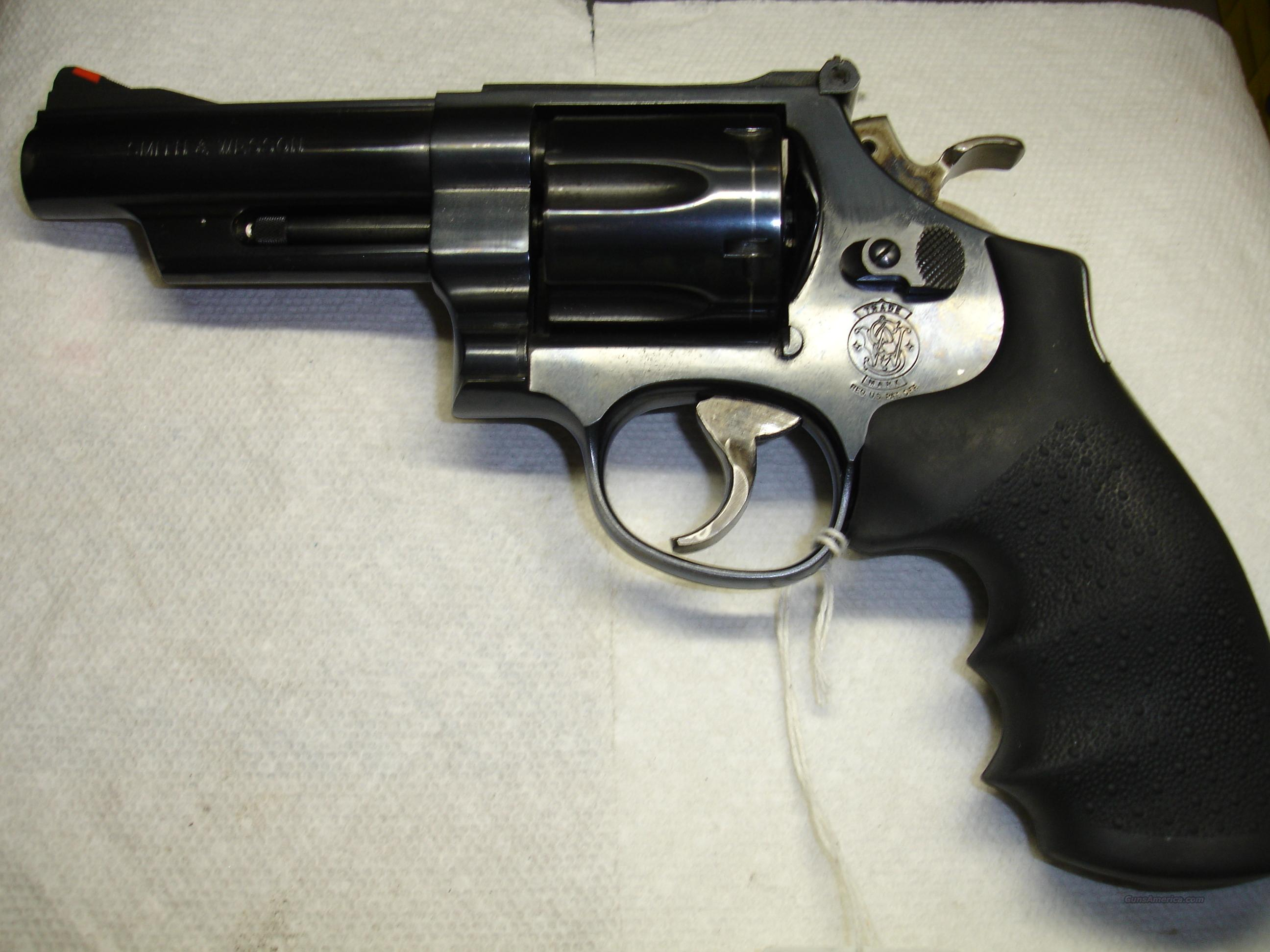 S&W MODEL 25-9  Guns > Pistols > Smith & Wesson Revolvers > Full Frame Revolver