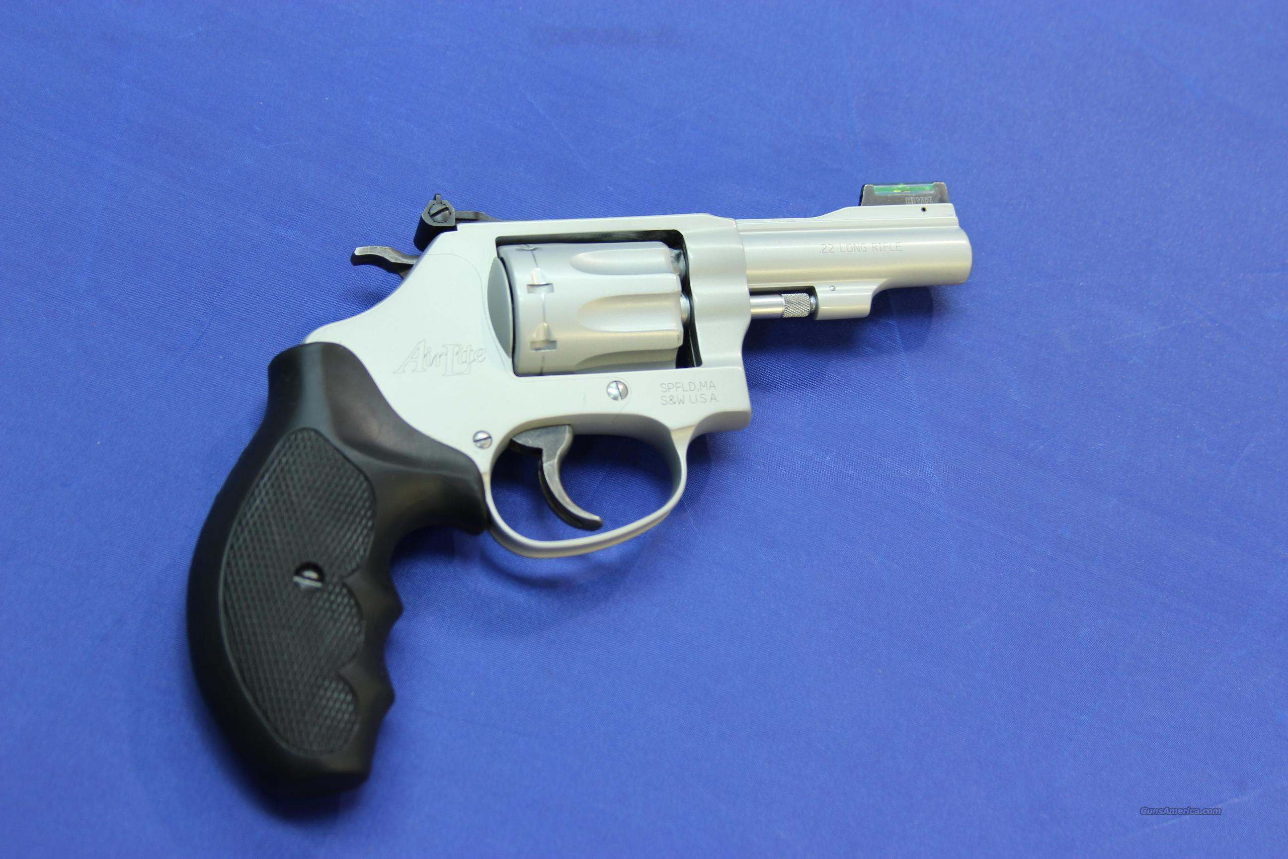 SMITH & WESSON 317-3 AIRWEIGHT .22 LR - EXCELLENT CONDITION w/ BOX  Guns > Pistols > Smith & Wesson Revolvers > Pocket Pistols