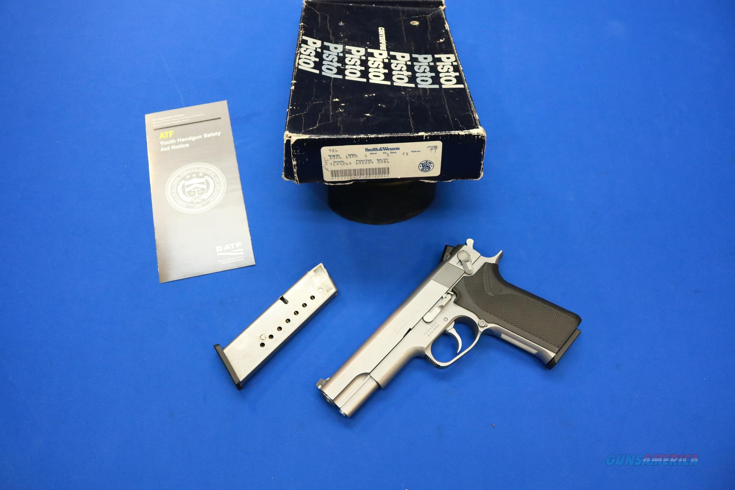 SMITH & WESSON 1006 STAINLESS 10mm w/BOX & 2 MAGS  Guns > Pistols > Smith & Wesson Pistols - Autos > Steel Frame