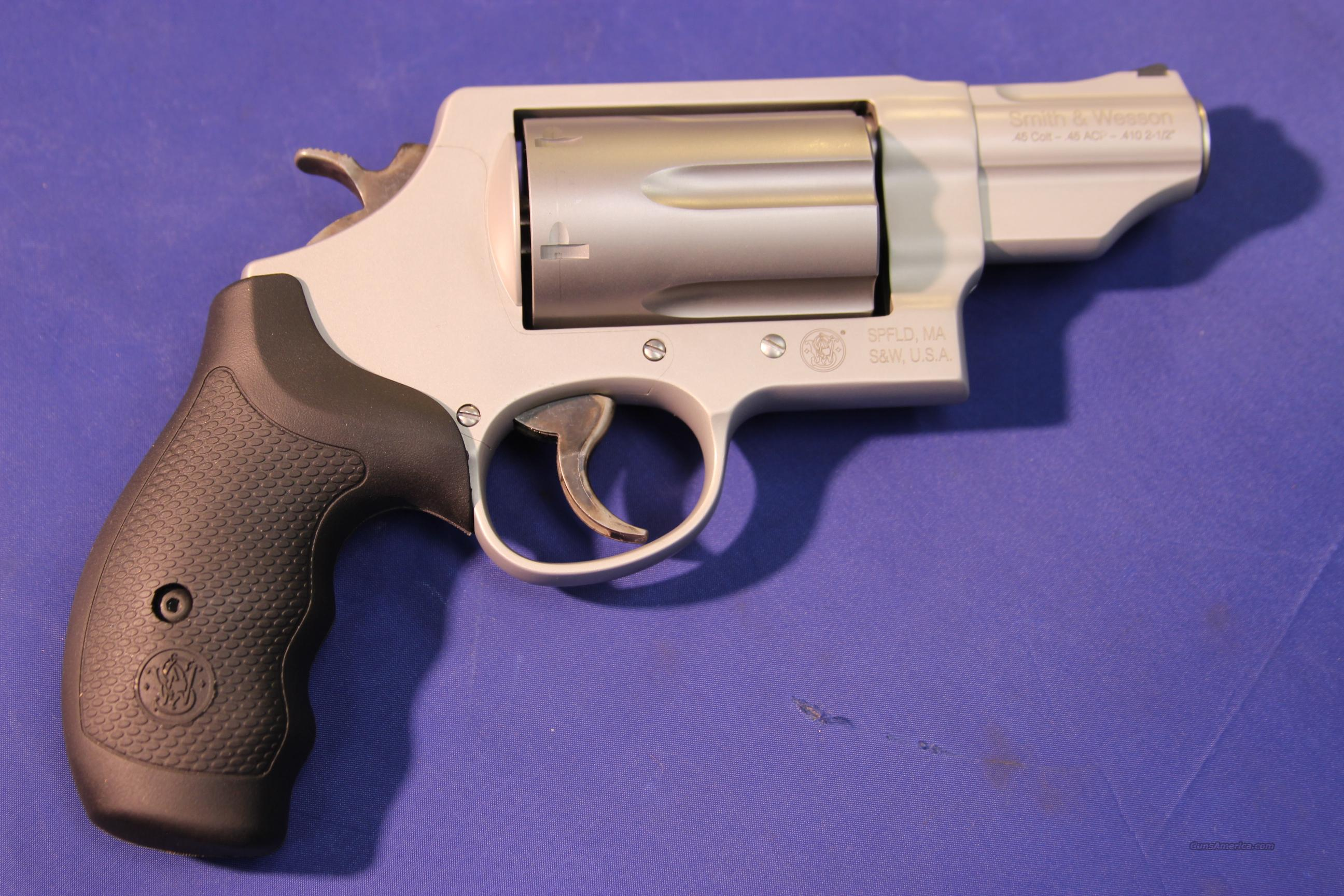 SMITH & WESSON GOVERNOR SILVER 410/45LC/45ACP –NEW!   Guns > Pistols > Smith & Wesson Revolvers > Full Frame Revolver