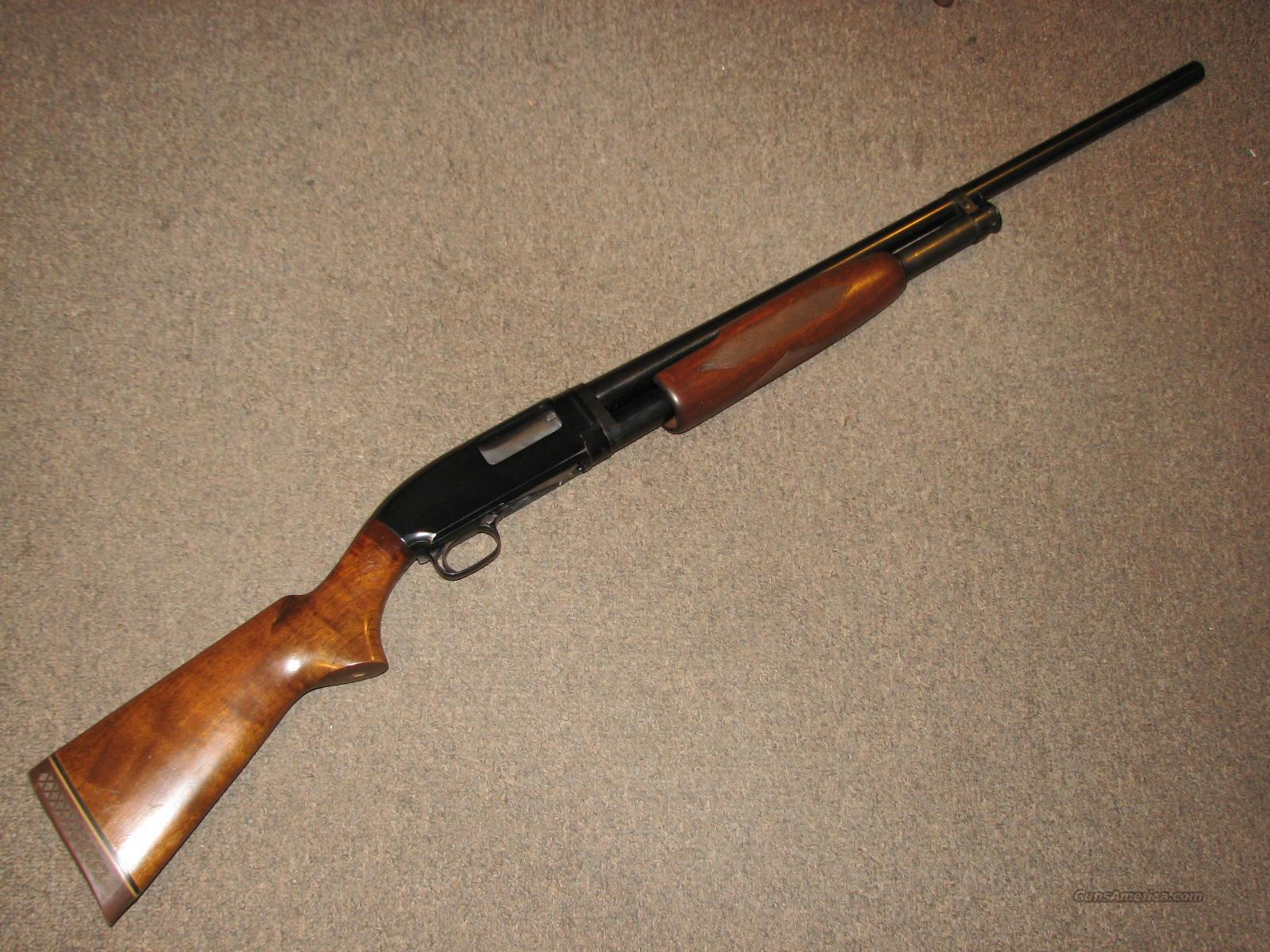 WINCHESTER MODEL 12 FIELD w/ DELUXE WALNUT - Mfg 1959  Guns > Shotguns > Winchester Shotguns - Modern > Pump Action > Hunting