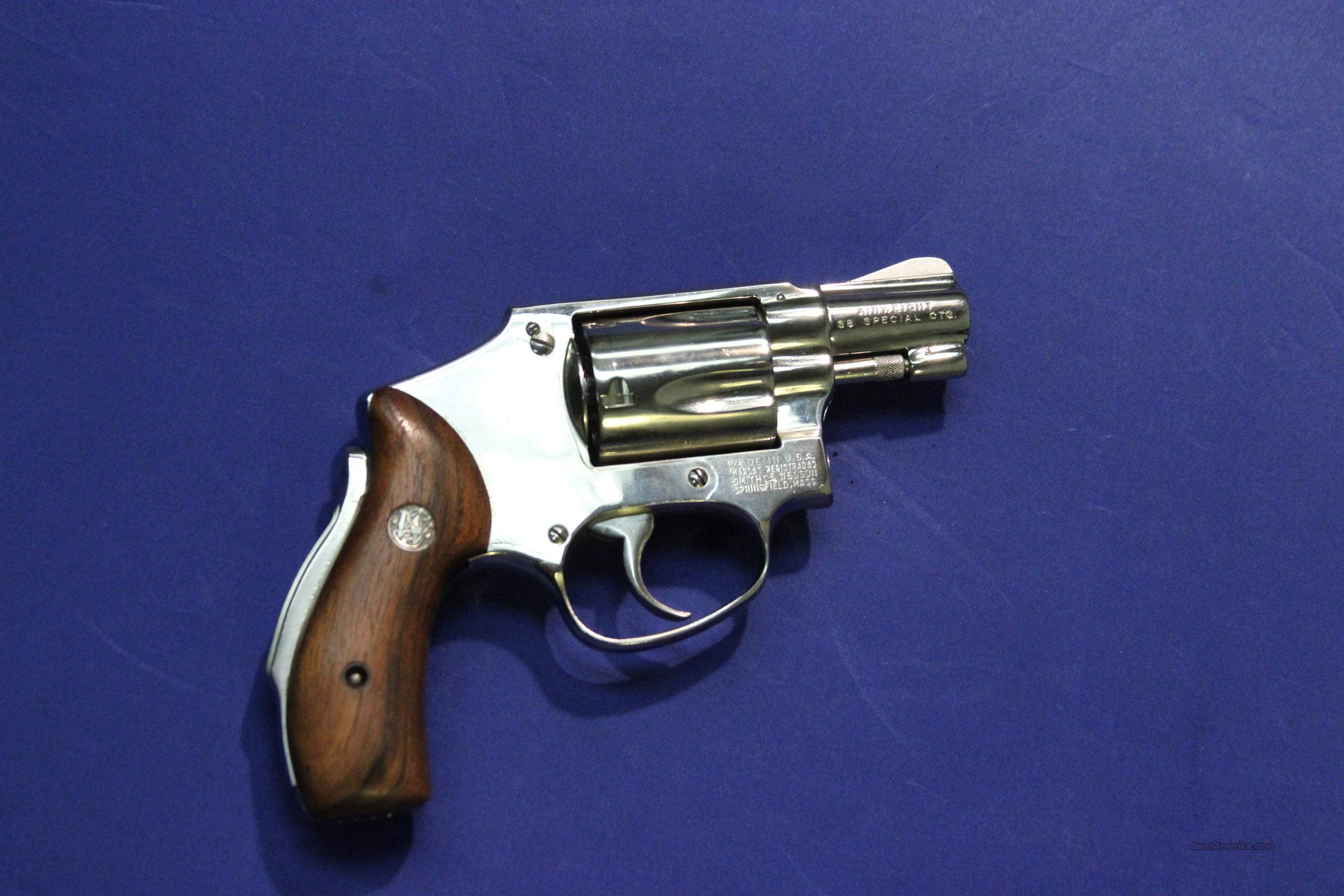 SMITH & WESSON SAFETY HAMMERLESS AIRWEIGHT NICKEL .38 SP  Guns > Pistols > Smith & Wesson Revolvers > Pocket Pistols
