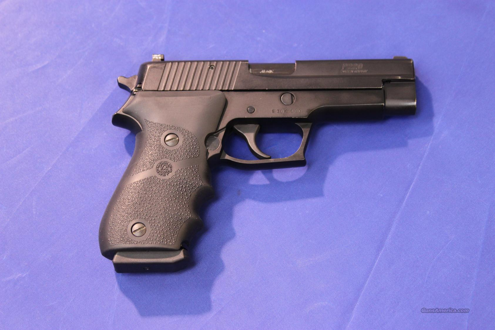 ***SOLD*** SIG SAUER P220 .45 ACP W/NIGHT SIGHTS  Guns > Pistols > Sig - Sauer/Sigarms Pistols > P220