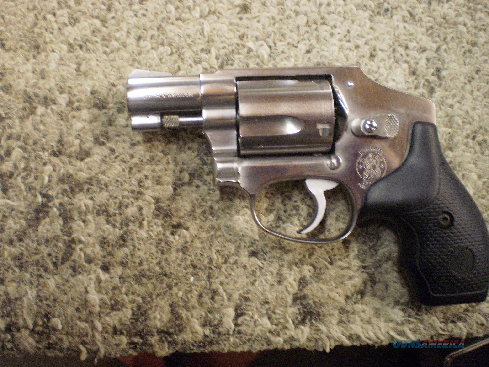 SMITH & WESSON MODEL 940 9MM  Guns > Pistols > Smith & Wesson Revolvers > Small Frame ( J )