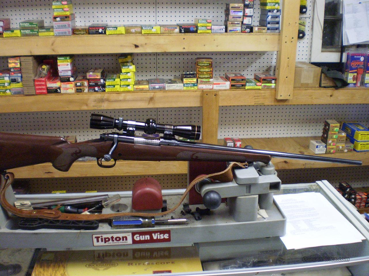 WINCHESTER MODEL 70 FEATHERWEIGHT 243  Guns > Rifles > Winchester Rifles - Modern Bolt/Auto/Single > Model 70 > Post-64