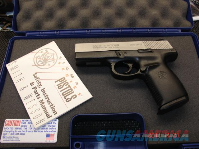 SMITH&WESSON SW40V  40S&W  Guns > Pistols > Smith & Wesson Pistols - Autos > Polymer Frame