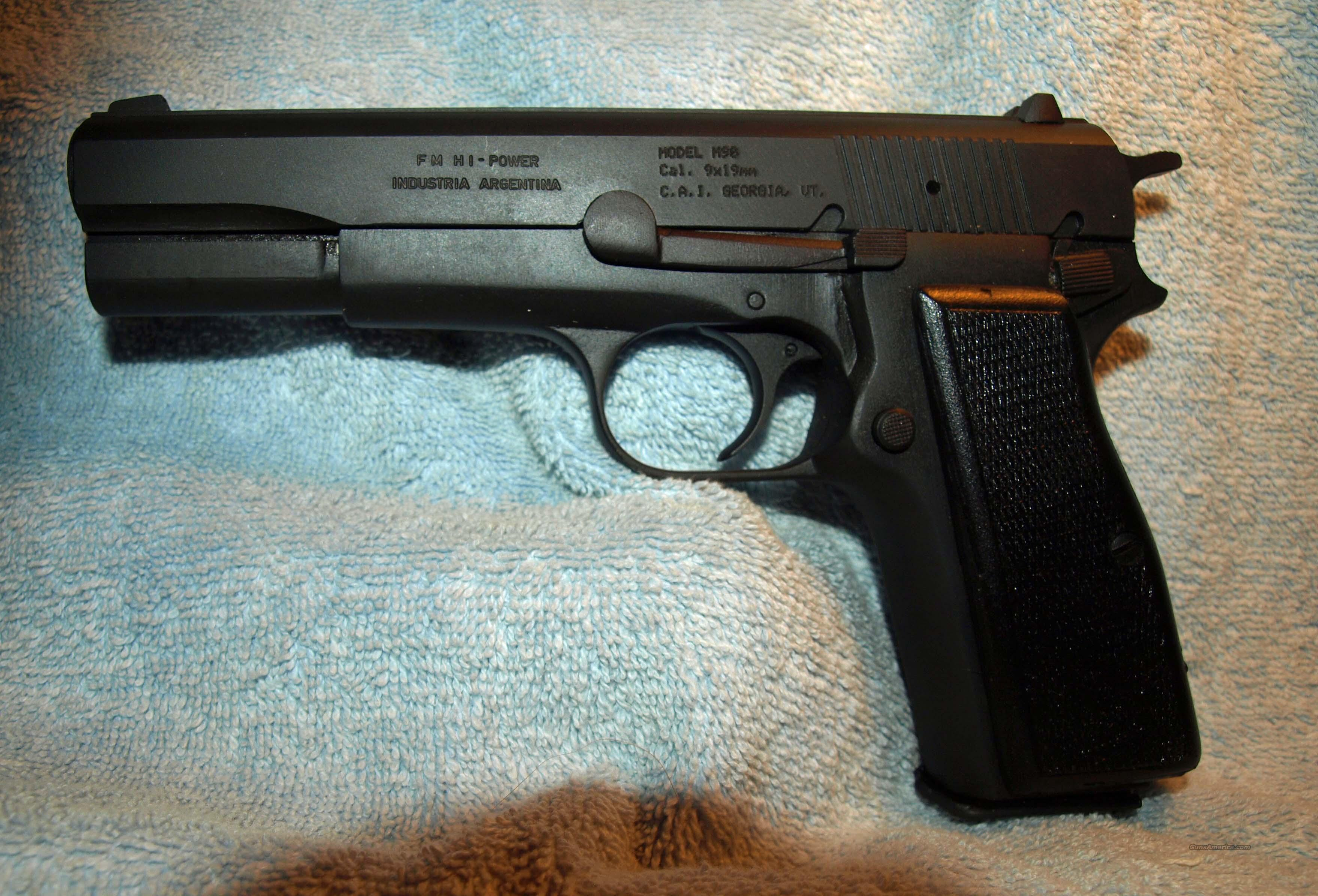 Argentine Police Hi-Power  Guns > Pistols > Military Misc. Pistols Non-US