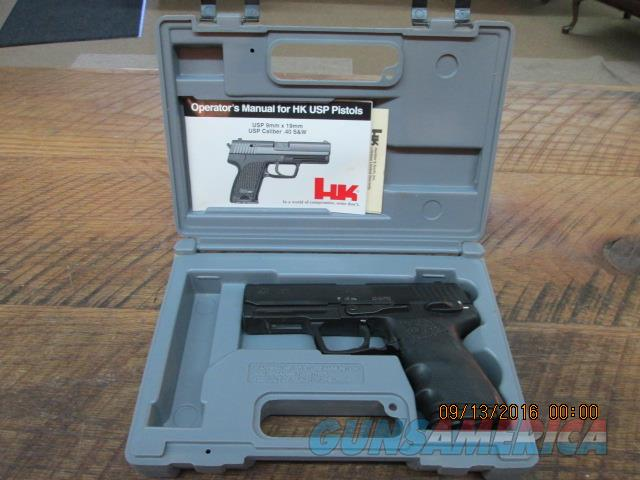 H & K USP 40 DOUBLE ACTION 40 S&W CAL. PISTOL IN ORIGINAL HARD CASE WITH PAPERWORK. 99%  Guns > Pistols > Heckler & Koch Pistols > Polymer Frame