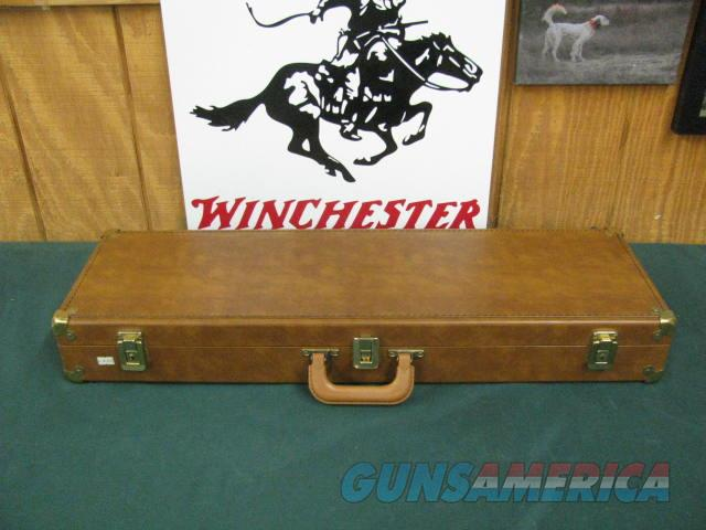 6880 Winchester 101 American Flyer Live Pigeon 12 gauge, 28 inch barrels, top barrel is fixed extra full/bottom barrel has a mod Winchester screw in chokes installed. gold wire receiver border, gold pigeon bottom of receiver, cased, all o  Guns > Shotguns > Winchester Shotguns - Modern > O/U > Hunting
