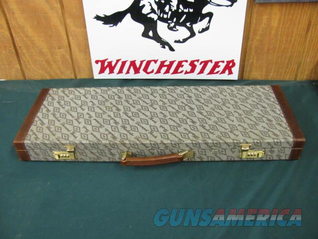 6206 Winchester 101 Diamond Grade 410 gauge 27 inch barrels skeet/skeet 98%,correct Winchester case. opens and closes tite, all original,ejectors, vent rib. extremely hard to find.   Guns > Shotguns > Winchester Shotguns - Modern > O/U > Hunting
