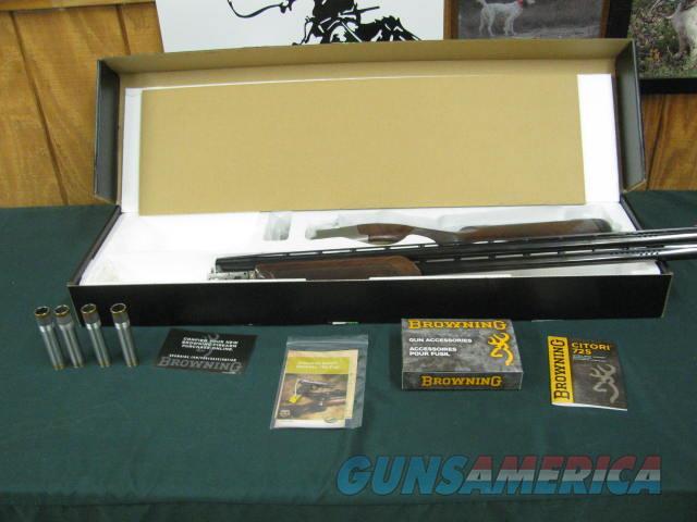 6779 Browning Citori 725 12 gauge 30 inch barrels 4 chokes ic 2mod full AA ++Fancy figured walnut, Inflex pad lop 14 1/2, Browning accessory box triggers,sites, etc 99% condition, Adjustable comb. AS NEW IN BOX  Guns > Shotguns > Browning Shotguns > Over Unders > Citori > Hunting