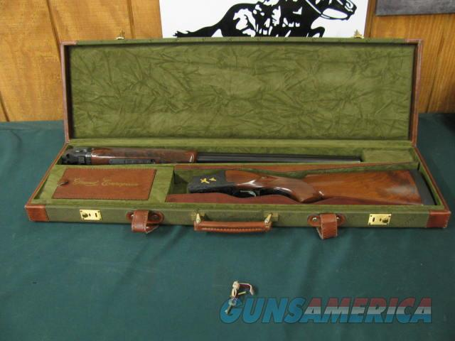 6285 Winchester 101 PRESENTATION SKEET, 12 gauge 27 inch barrels, skeet/skeet, 4 GOLD RAISED RELIEF PHEASANTS ENGRAVED ON DARK BLUE RECEIvER WITH ROSE AND SCROLL AA+ FANCY WALNUT stocka and forend, Winchester case. 99.9% condition, none fin  Guns > Shotguns > Winchester Shotguns - Modern > O/U > Hunting