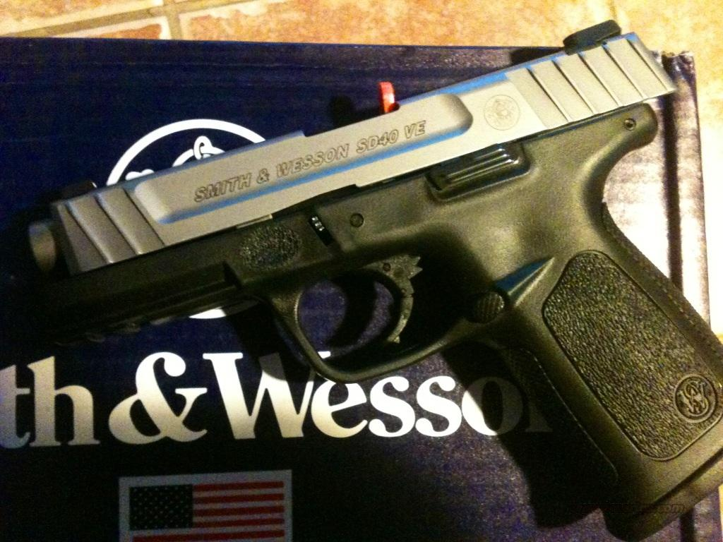 Smith & Wesson SD40VE with stainless steel slide  Guns > Pistols > Smith & Wesson Pistols - Autos > Polymer Frame