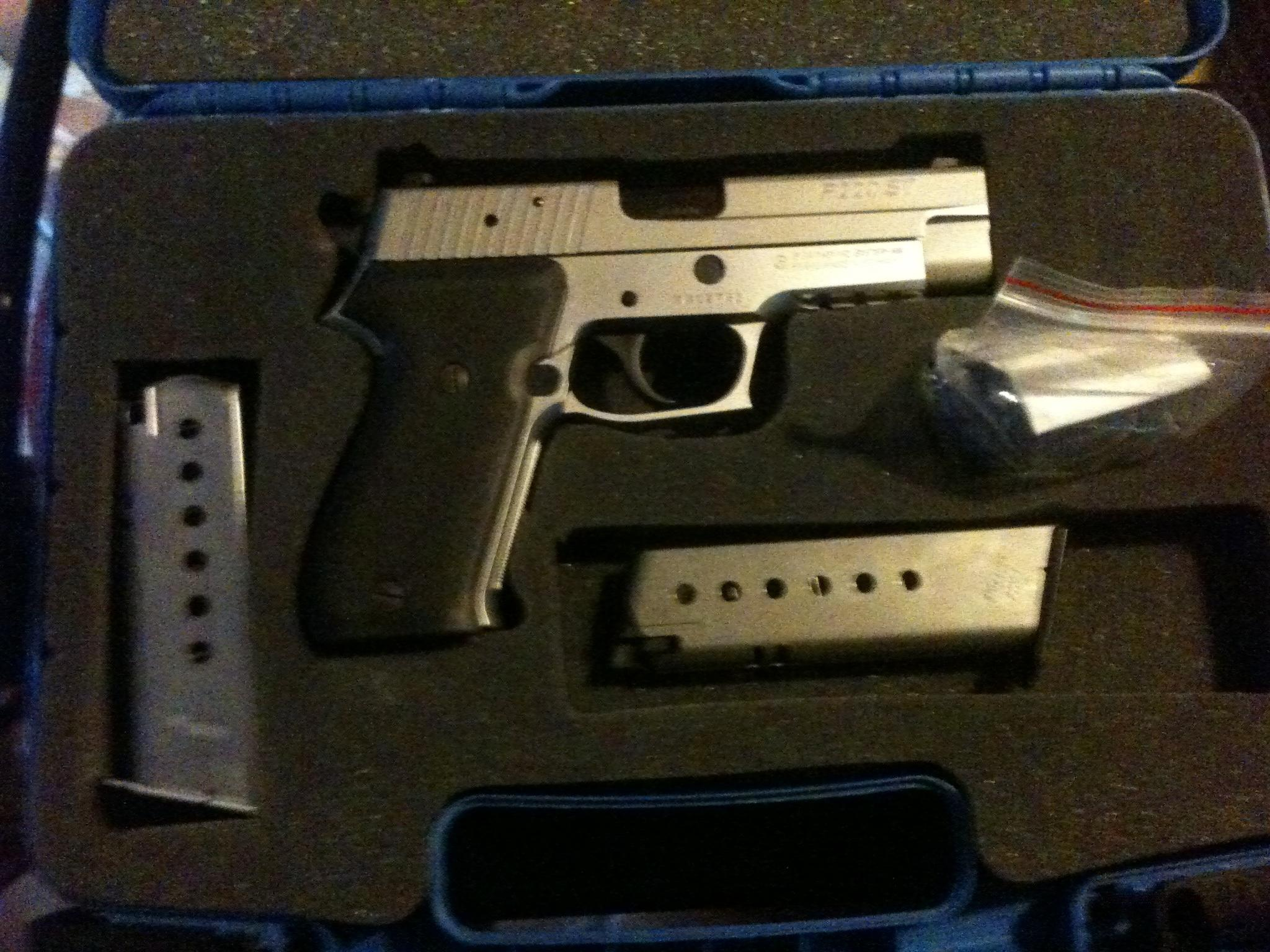 Sig 220 st (stainless steel)  Guns > Pistols > Sig - Sauer/Sigarms Pistols > P220