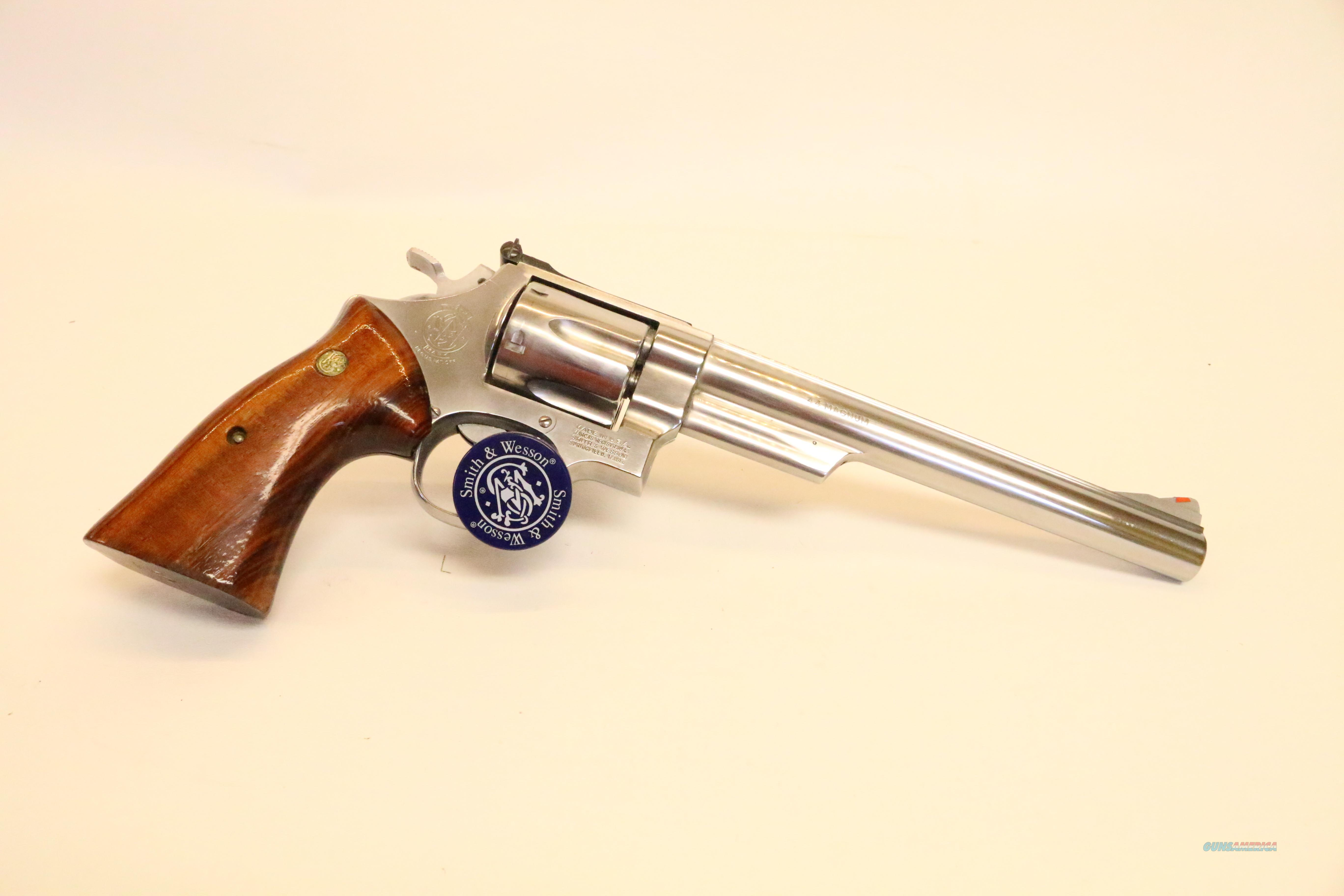 "Very clean Smith & Wesson 629-1 8 3/8"" .44 magnum 2 sets of grips  Guns > Pistols > Smith & Wesson Revolvers > Model 629"