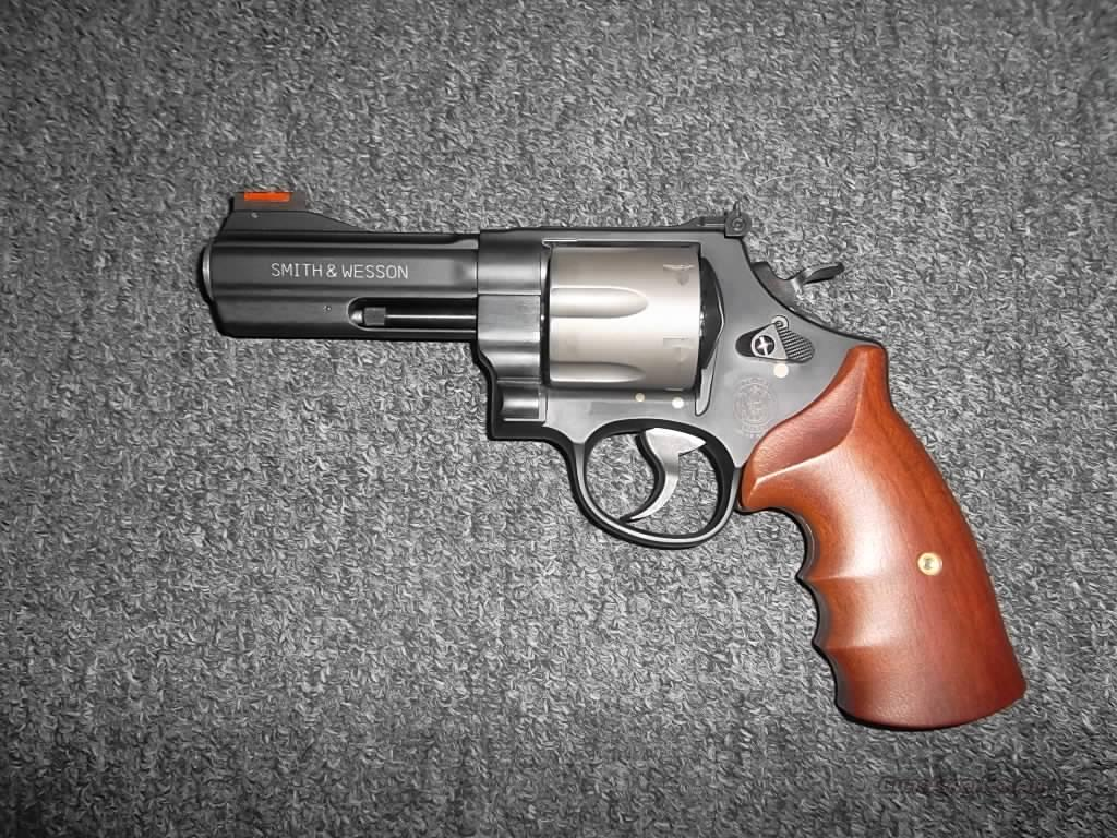 Smith & Wesson 329 PD  Guns > Pistols > Smith & Wesson Revolvers > Full Frame Revolver