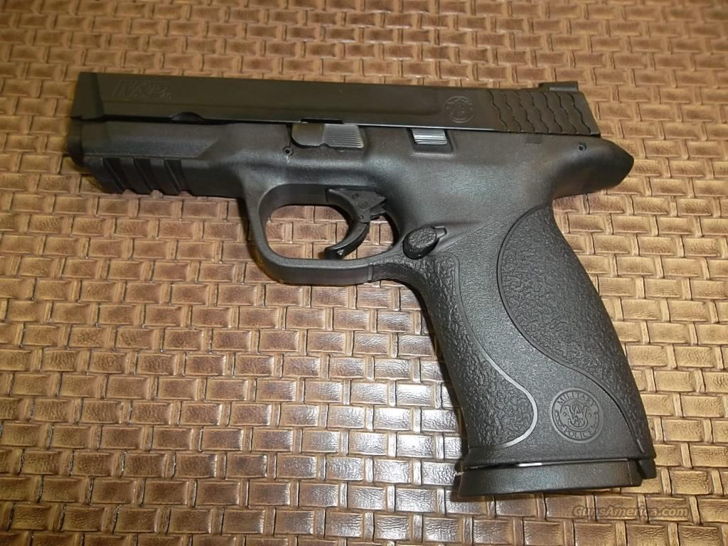 M & P 40 w/3 mags, holster, mag. loader  Guns > Pistols > Smith & Wesson Pistols - Autos > Polymer Frame