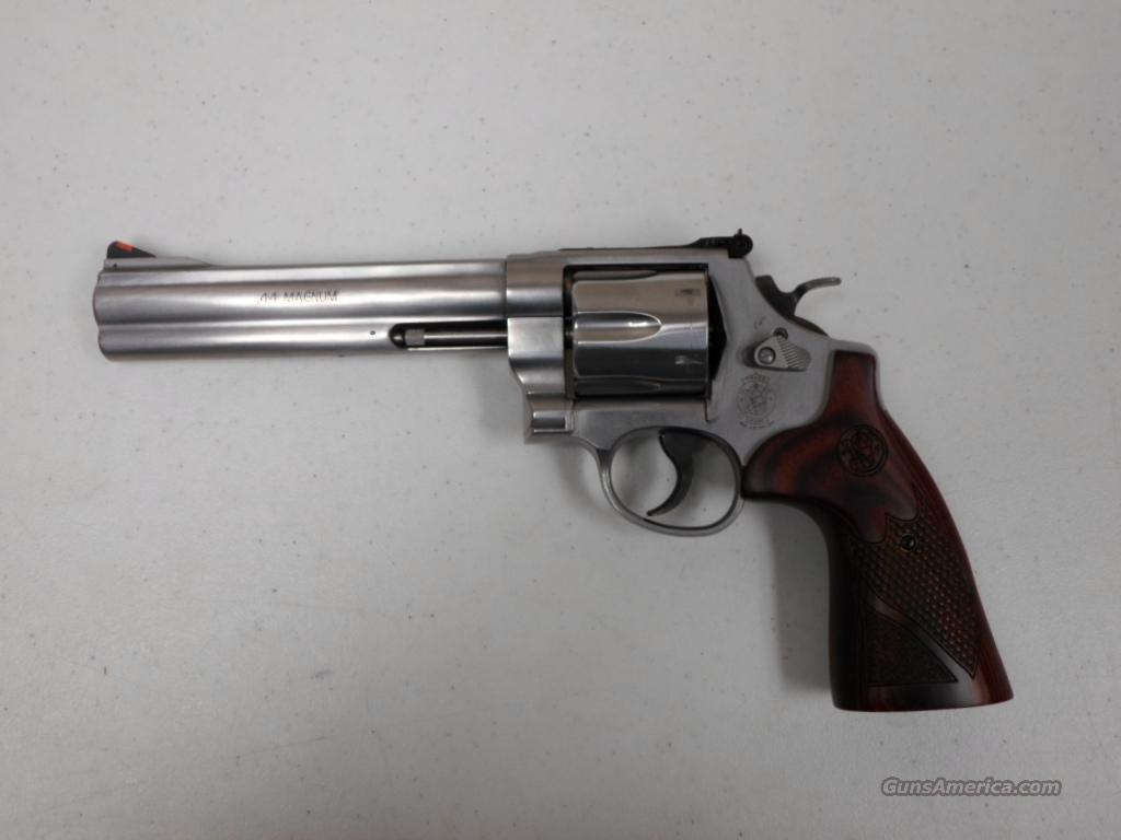 Smith & Wesson 629 Deluxe  Guns > Pistols > Smith & Wesson Revolvers > Model 629