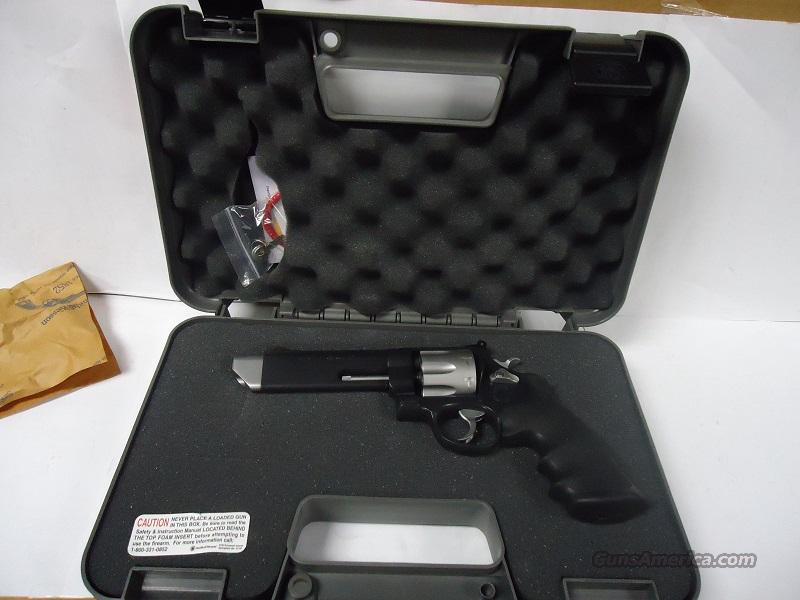 "SMITH & WESSON 627 VCM PERFORMANCE CENTER 5"" 8-SHOT TWO TONE NEW IN PRESENTATION CASE  Guns > Pistols > Smith & Wesson Revolvers > Performance Center"